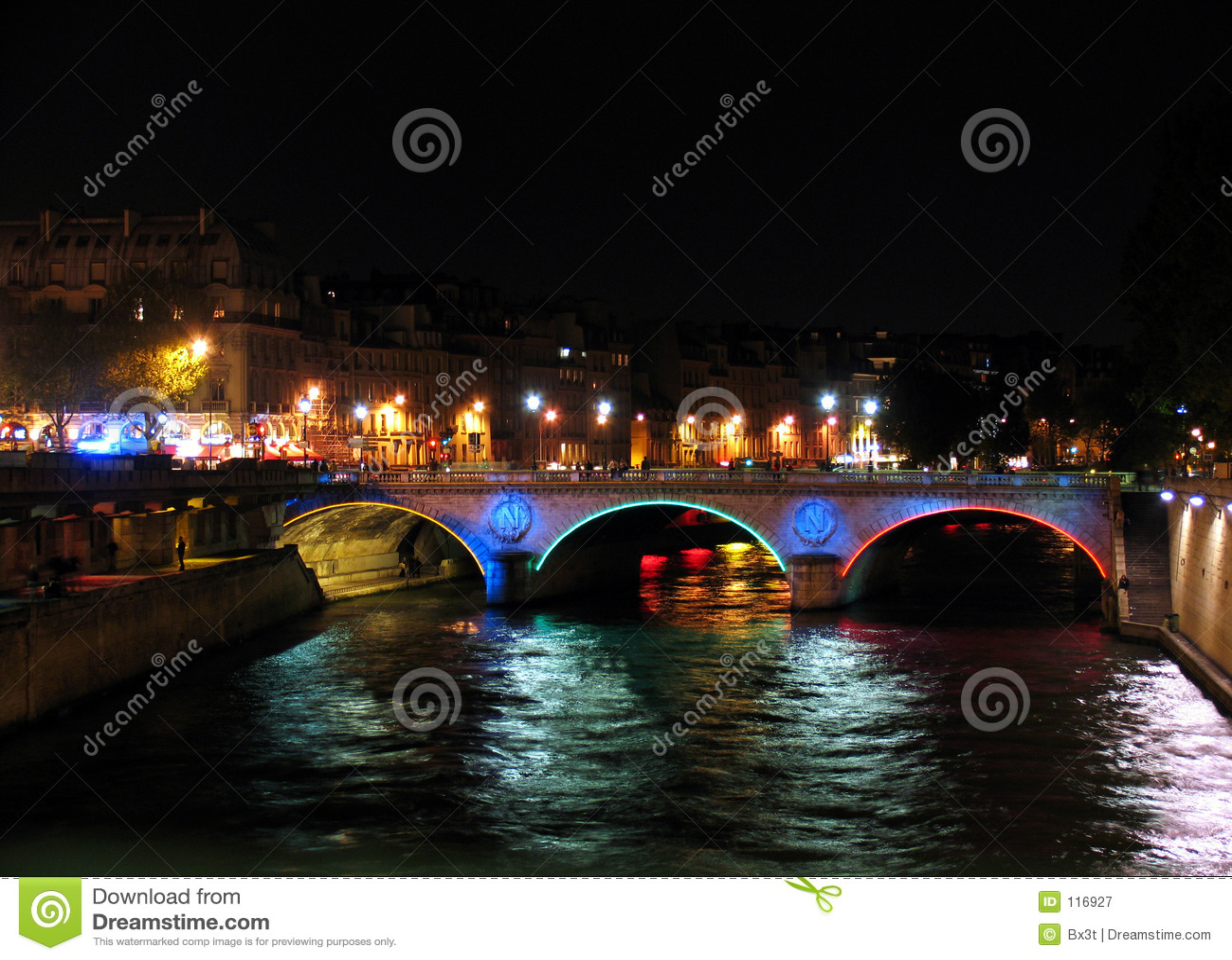 Bridge over Seine by night