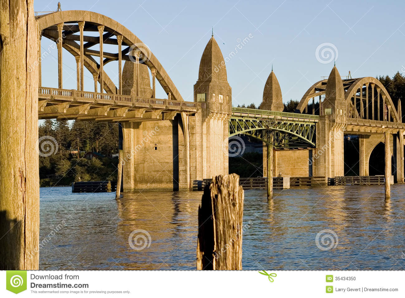 Bridge Over The Siuslaw River Florence Oregon Stock Photo