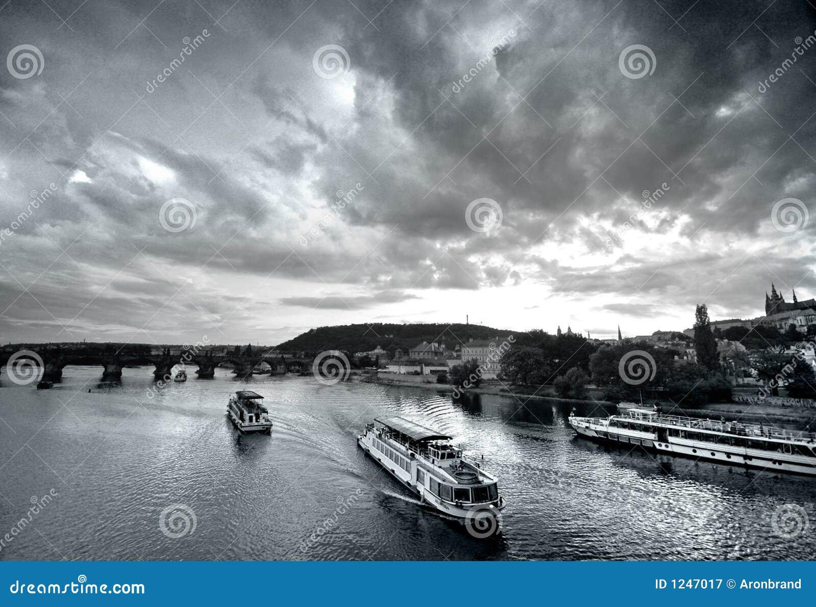 Bridge Prague słońca