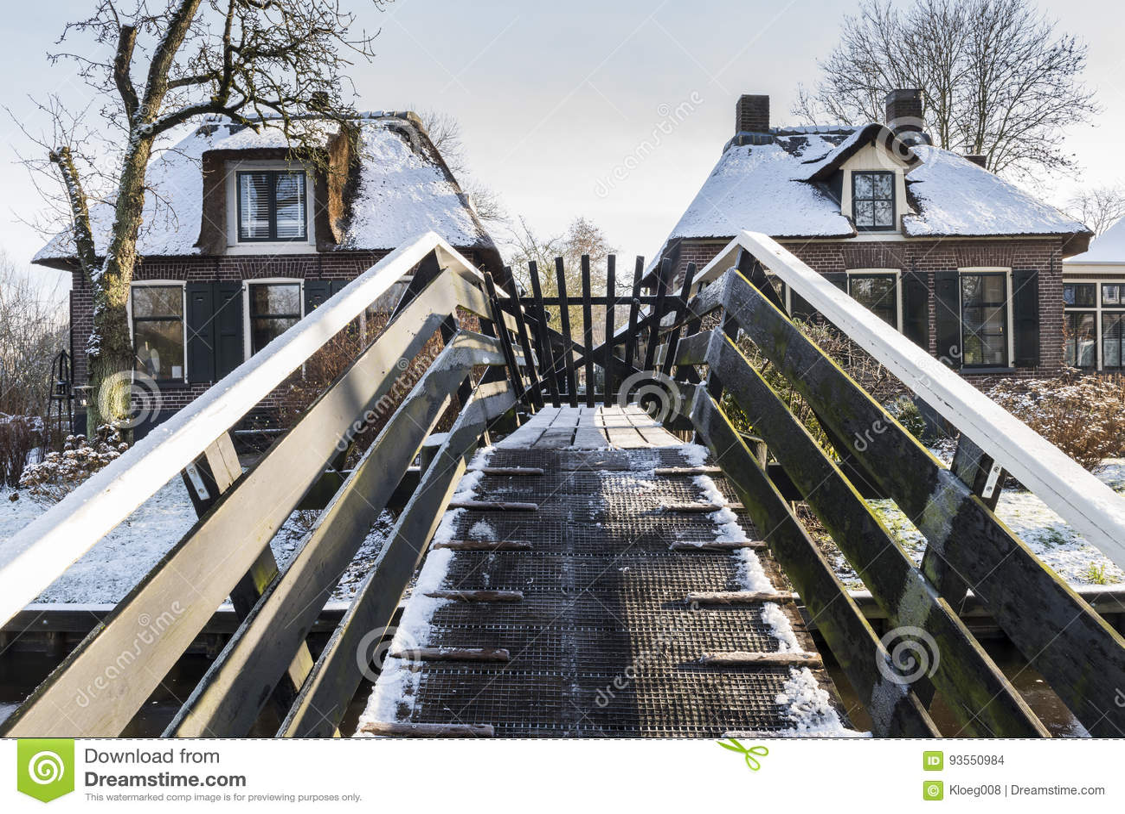 Bridge In Winter In Giethoorn Stock Photo Image Of Dutch Tourism