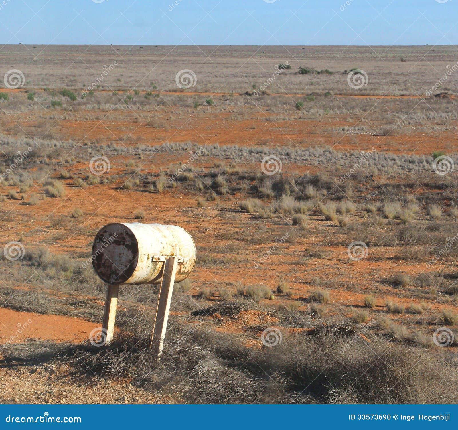 Briefkasten an der Nullarbor-Ebene in Australien