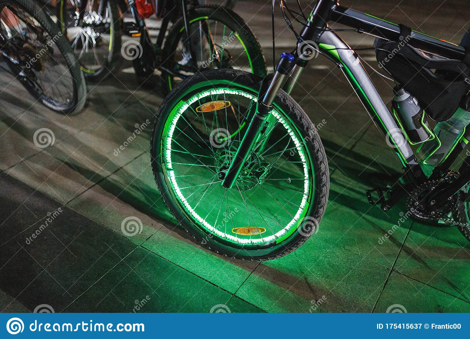Neon Lights And Illumination On The Wheel Of A Bicycle At Night The Concept Of Safety Of Traffic In The Dark Stock Image Image Of Concept Colorful 175415637 Traffic light bicycle night glow neon