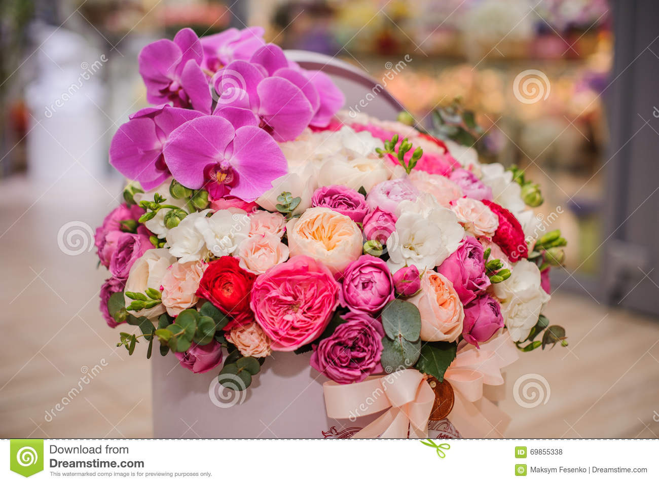 Bright pink flower bouquet in round box with lid stock photo image download bright pink flower bouquet in round box with lid stock photo image of bloom izmirmasajfo