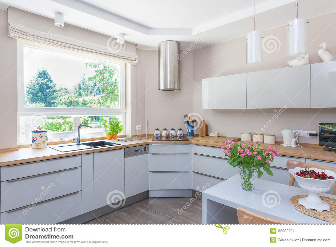 Bright kitchen royalty free stock photography Bright kitchen