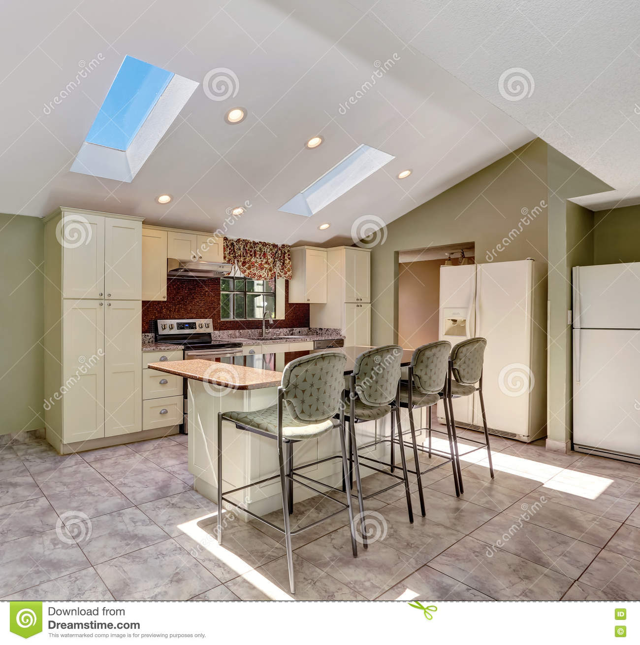 White Kitchen Vaulted Ceiling: Bright Sunny Kitchen With Vaulted Ceiling And Skylights