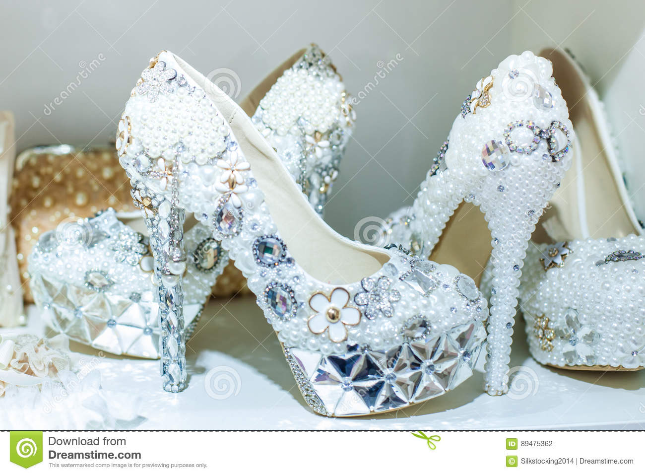626191d3a815 Bright wedding shoes are decorated with different precious stones and beads
