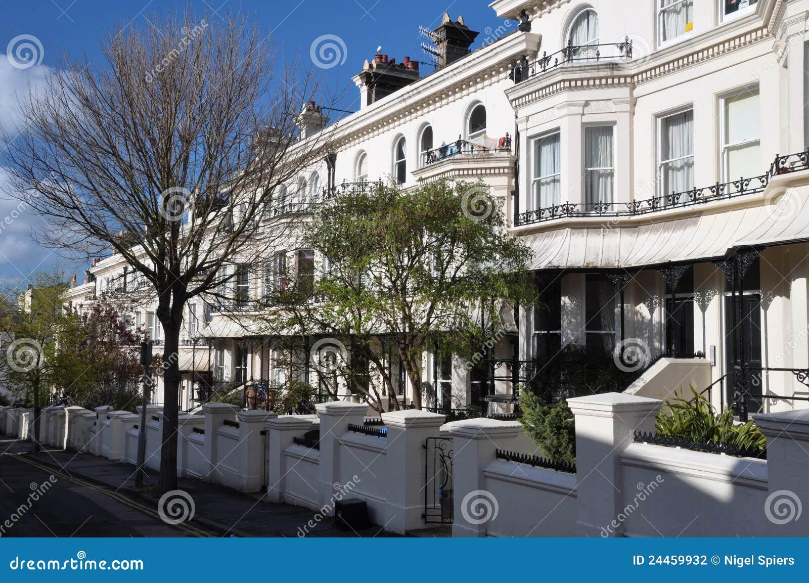 Brighton engeland de witte huizen van het terras stock fotografie afbeelding 24459932 - Foto van het terras ...