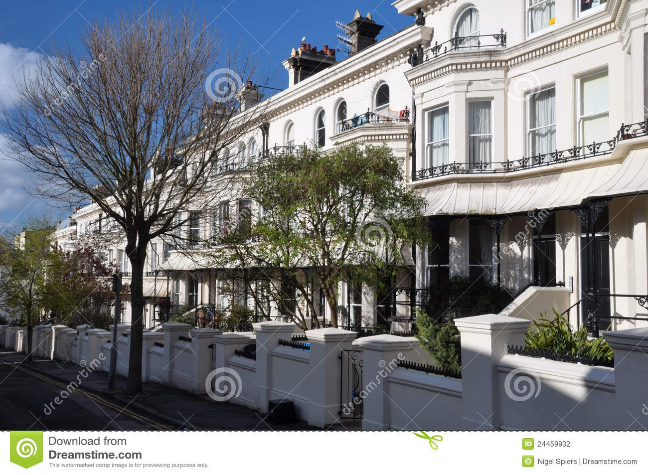 Brighton england white terrace houses stock photography for Terrace white