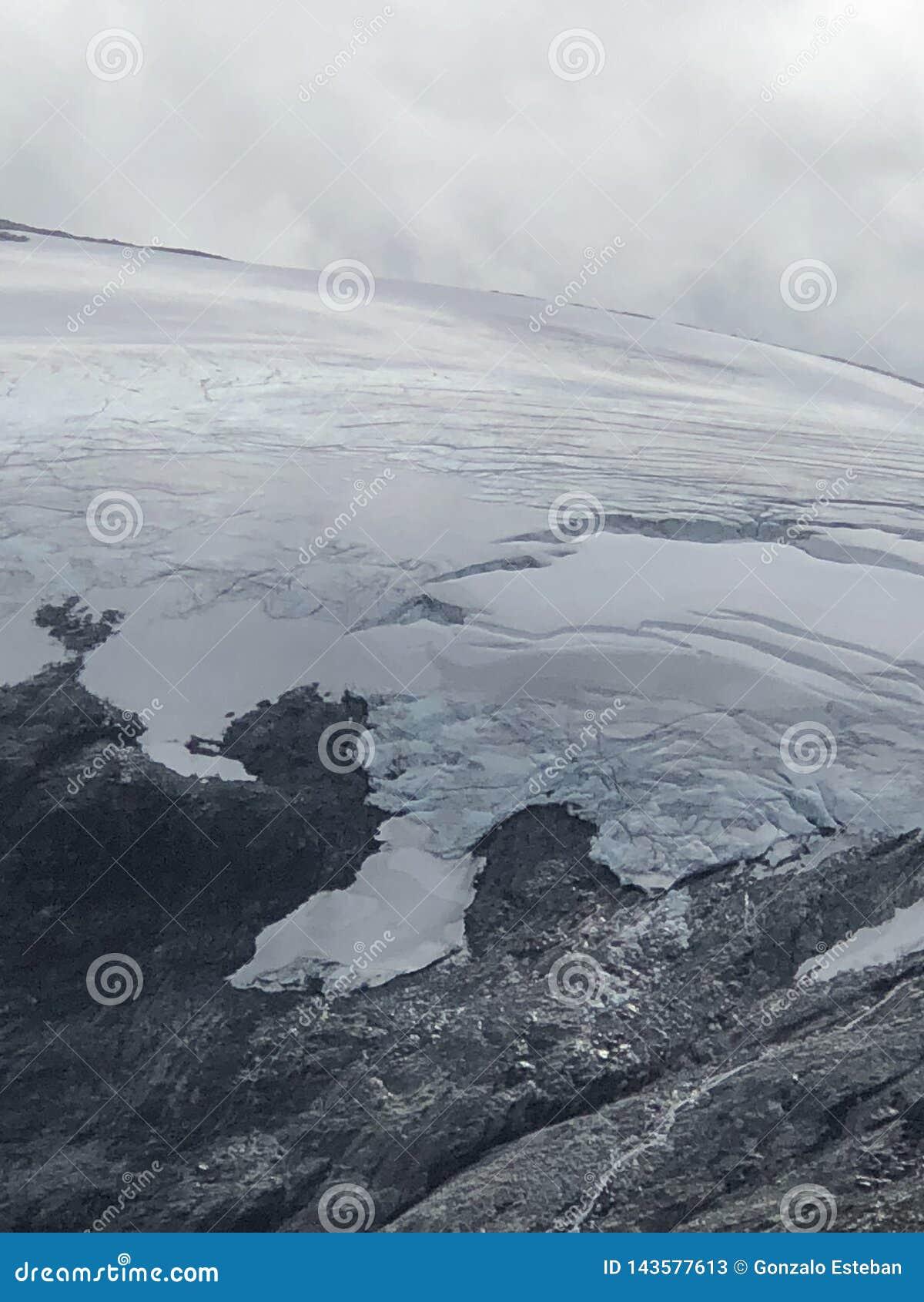 Briksdal glaciär norway