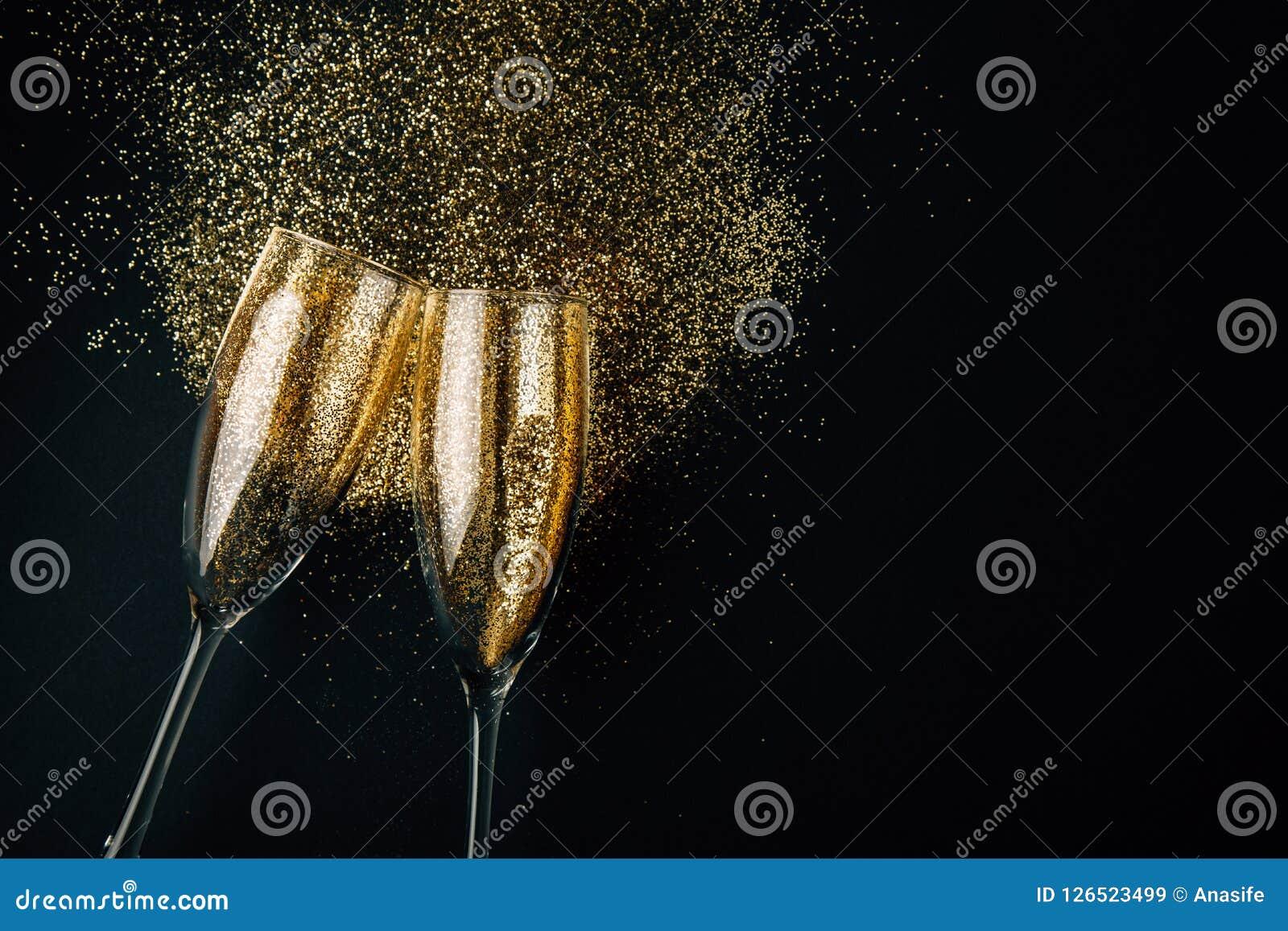 Brinde dourado do champanhe