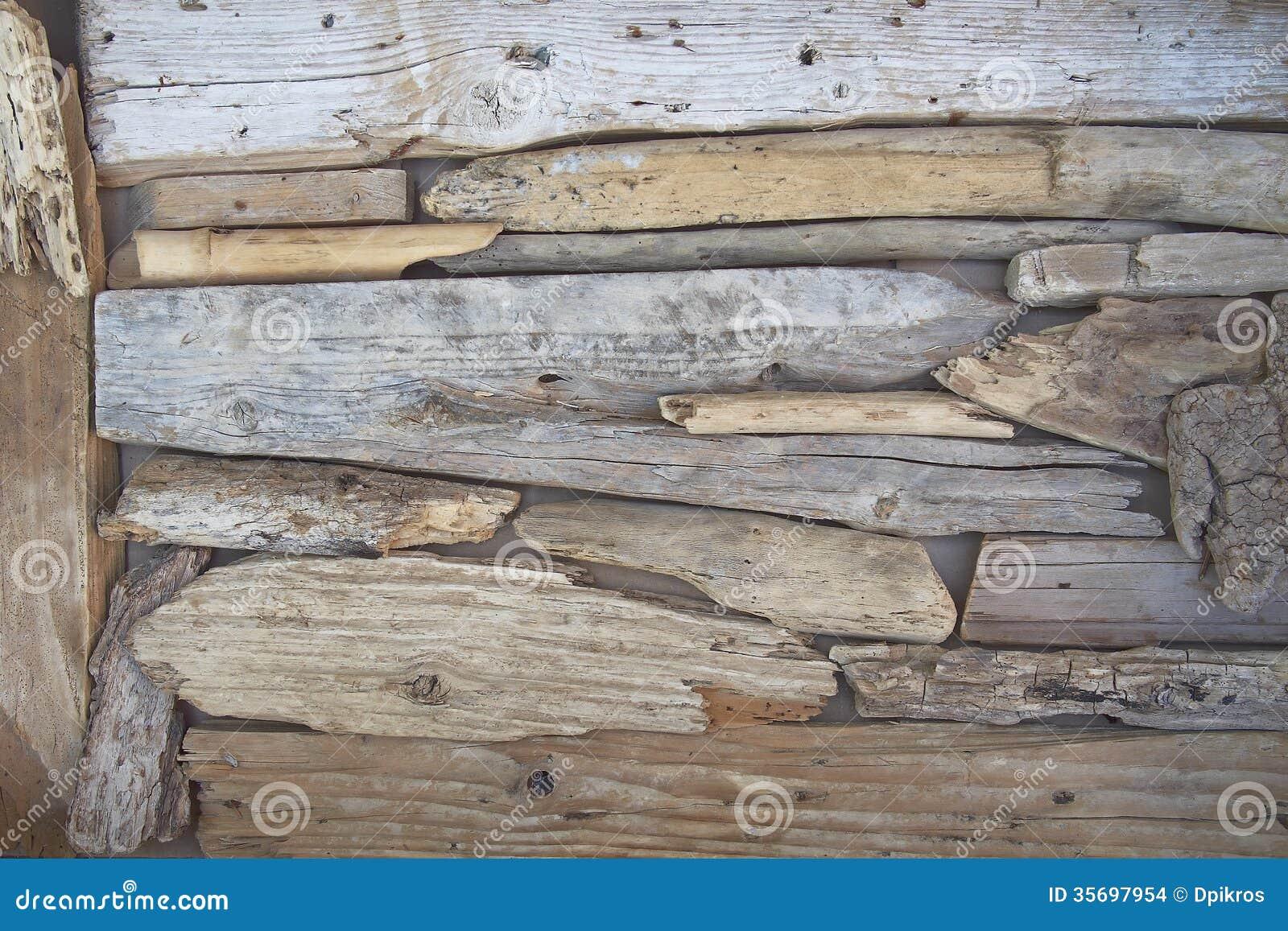 Brindilles et morceaux en bois polis par la mer images stock image 35697954 - Bois noirci par la pluie ...