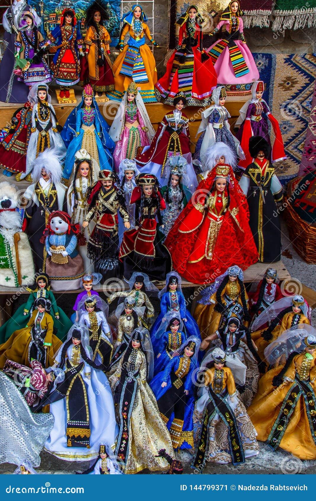 Brinquedos e figuras tradicionais de Georgians como lembran?as