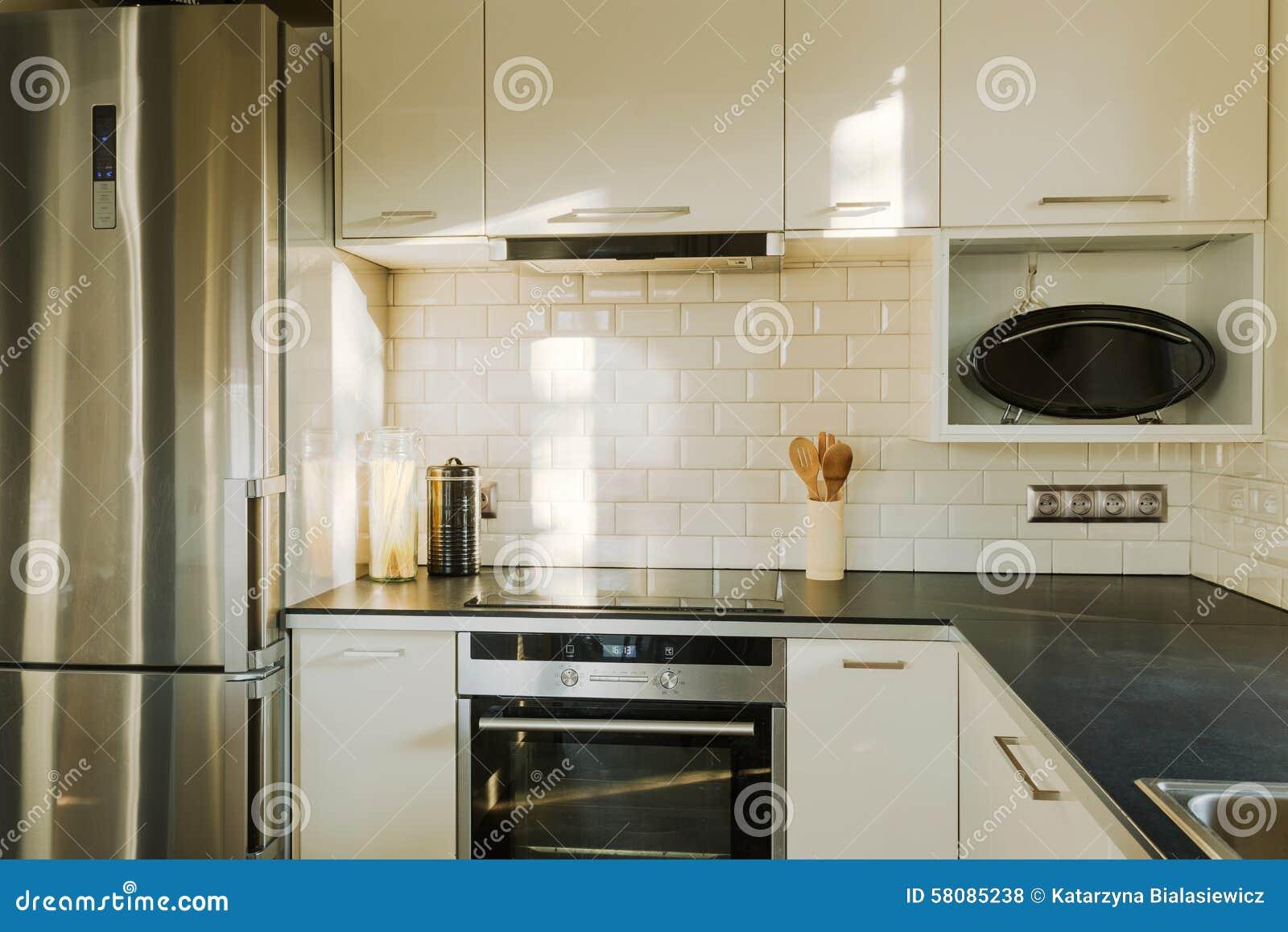 Brique Blanche Dans La Cuisine Contemporaine Photo stock - Image du ...