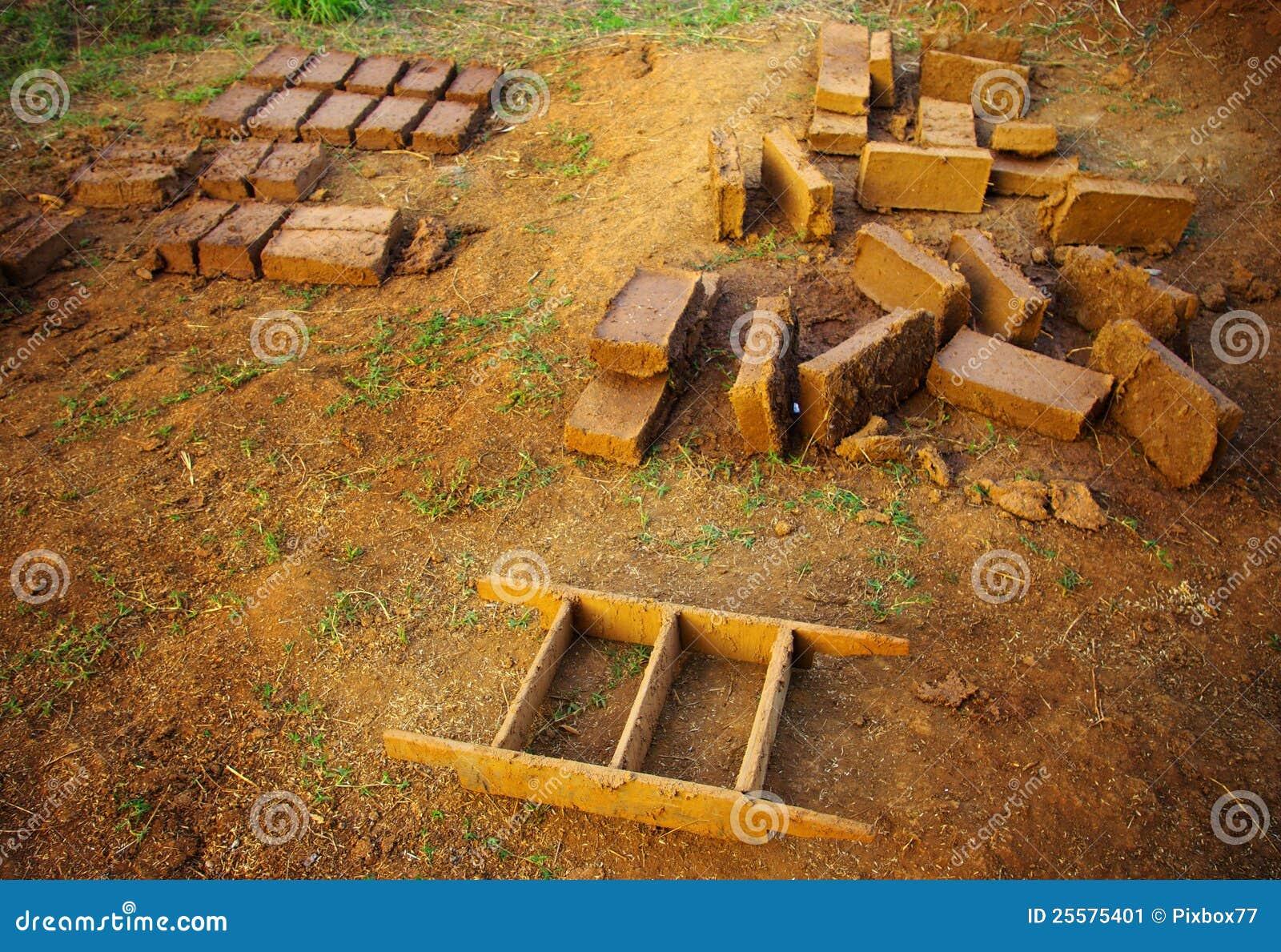 brique d argile pour la construction la maison d argile image stock image 25575401