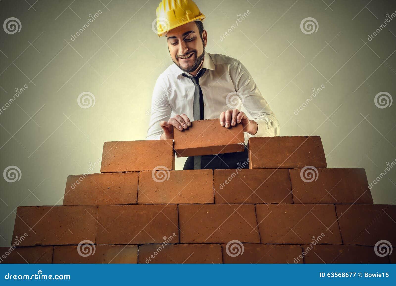 Brique par la brique