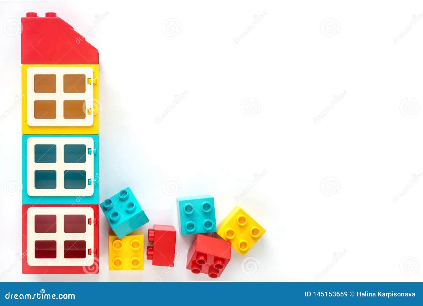 Briques de Lego E Jouets populaires L espace libre pour le texte