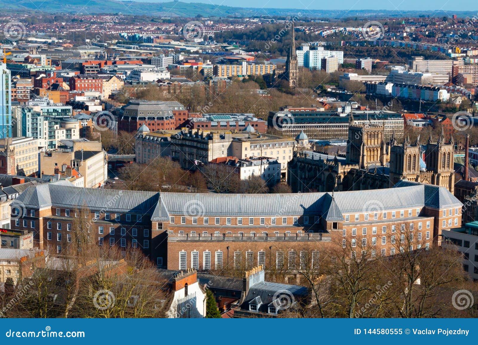 Bristol från ovannämnt på en solig dag