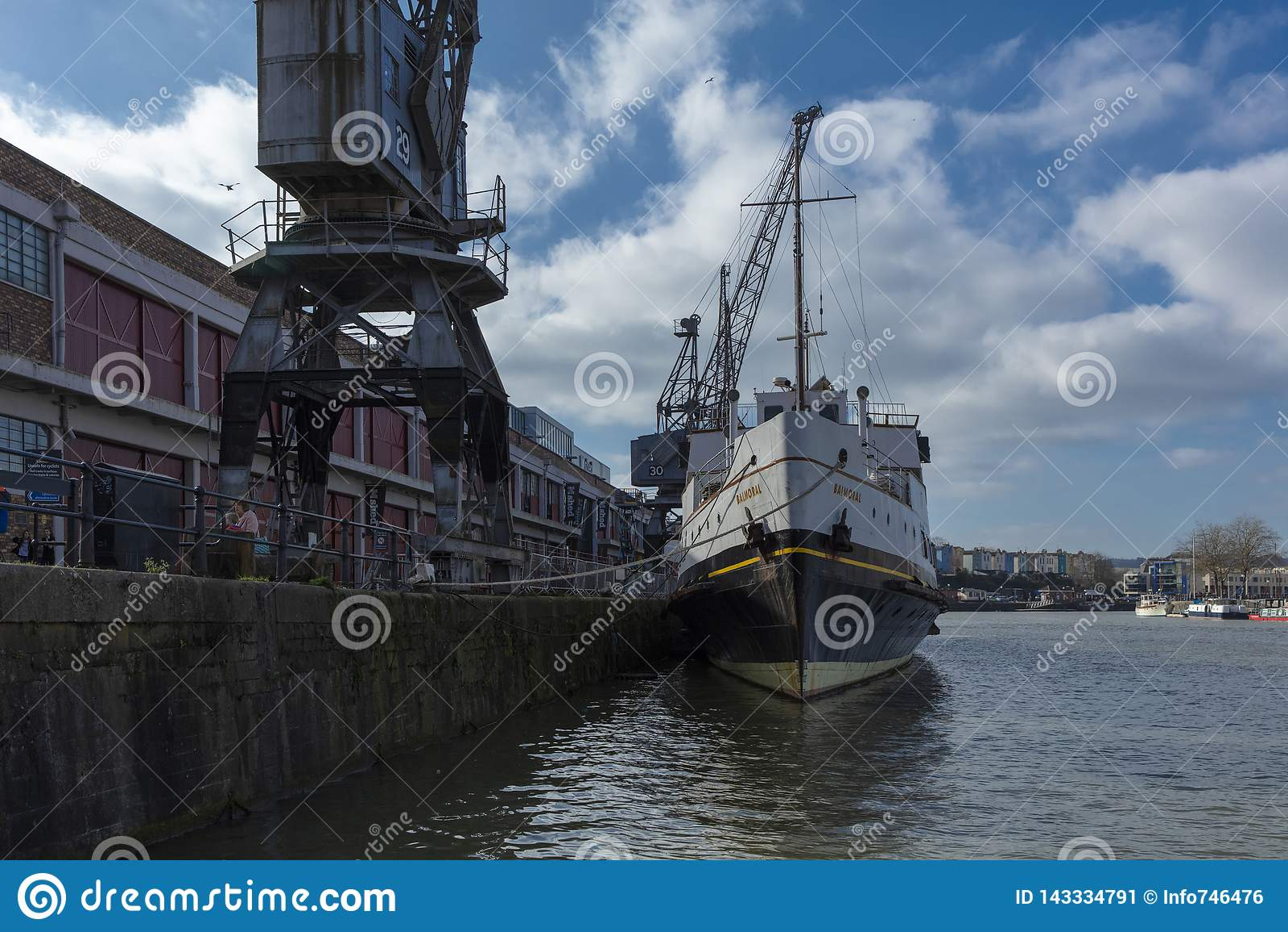 Bristol, Royaume-Uni, le 23 février 2019, bateau de Balmoral de système mv à M Shed Museum au quai de Wapping