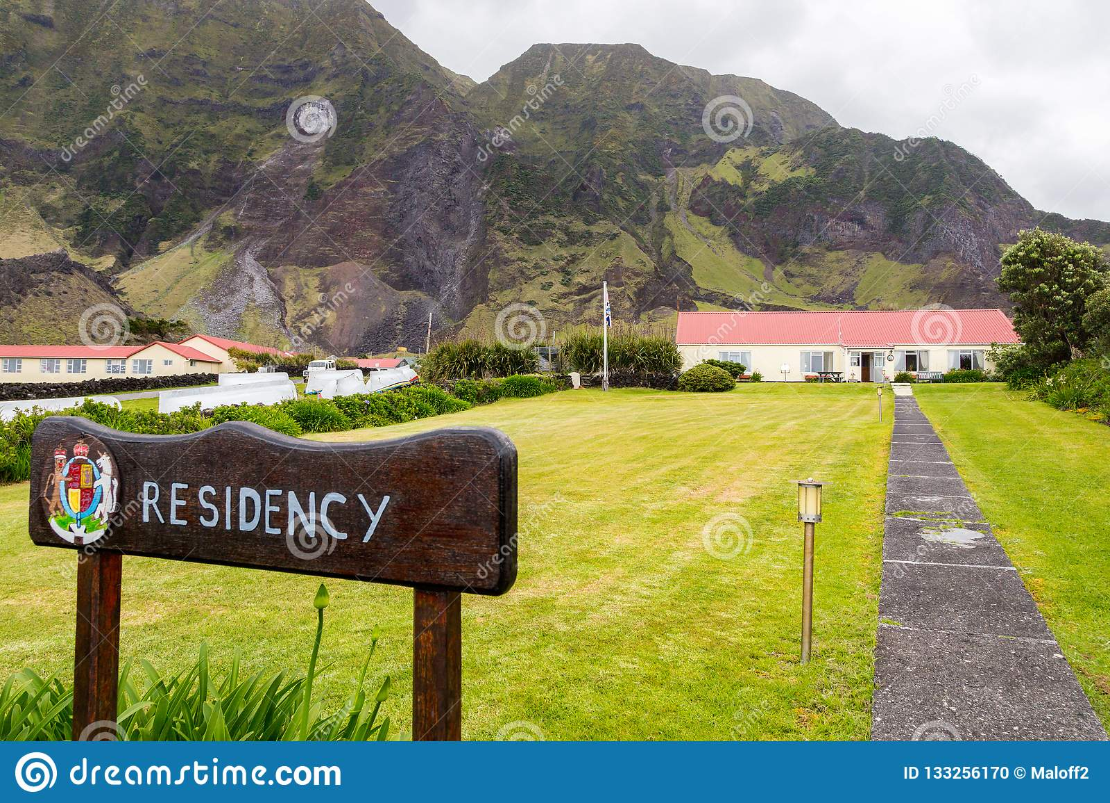 Britischer Gouverneursitz, Wegweiser, Wappen Edinburgh der sieben Seestadt, Tristan da Cunha-Insel, Südatlantik