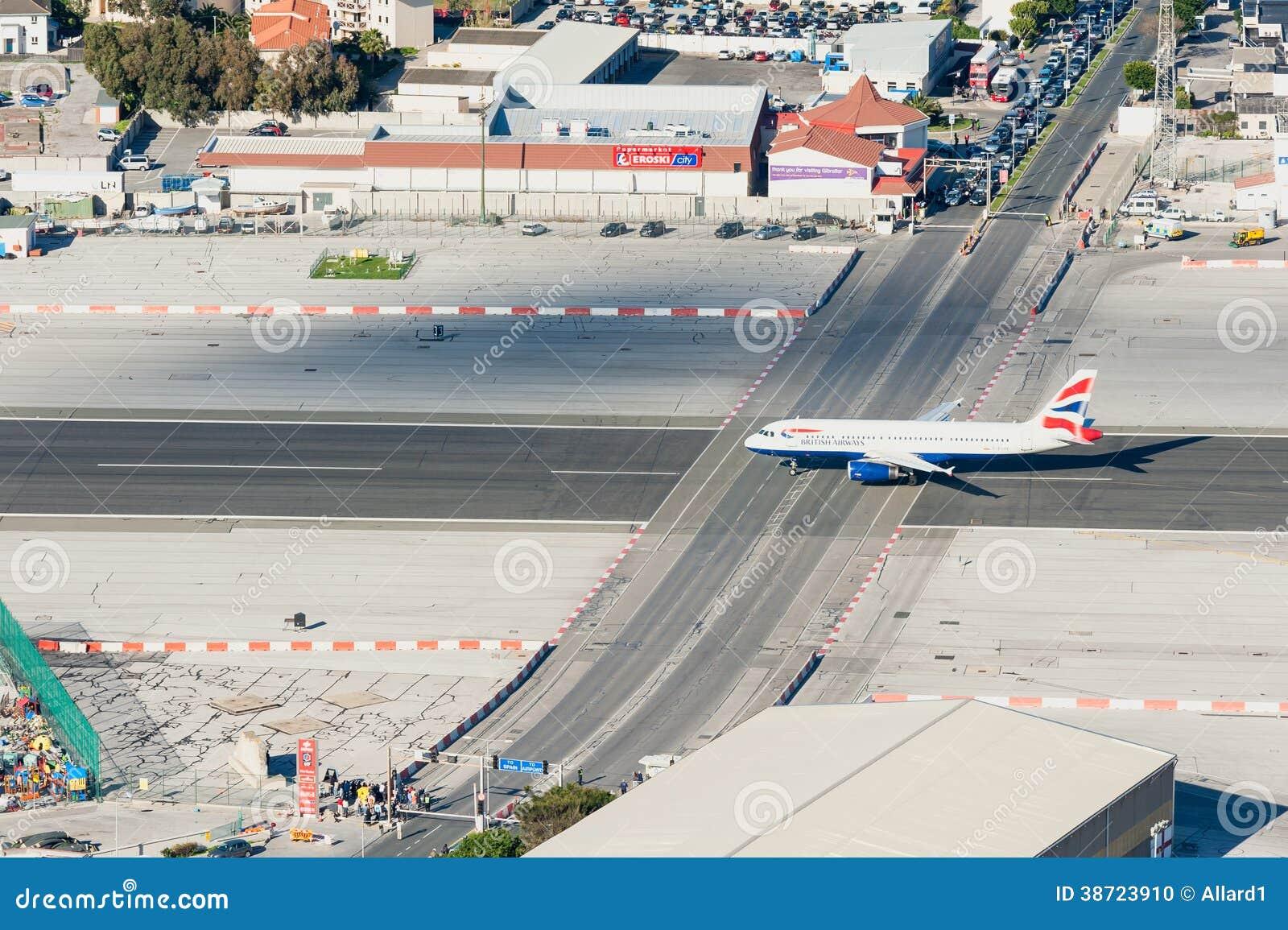Aeroporto Gibilterra : British airways spiana sulla pista dell aeroporto di