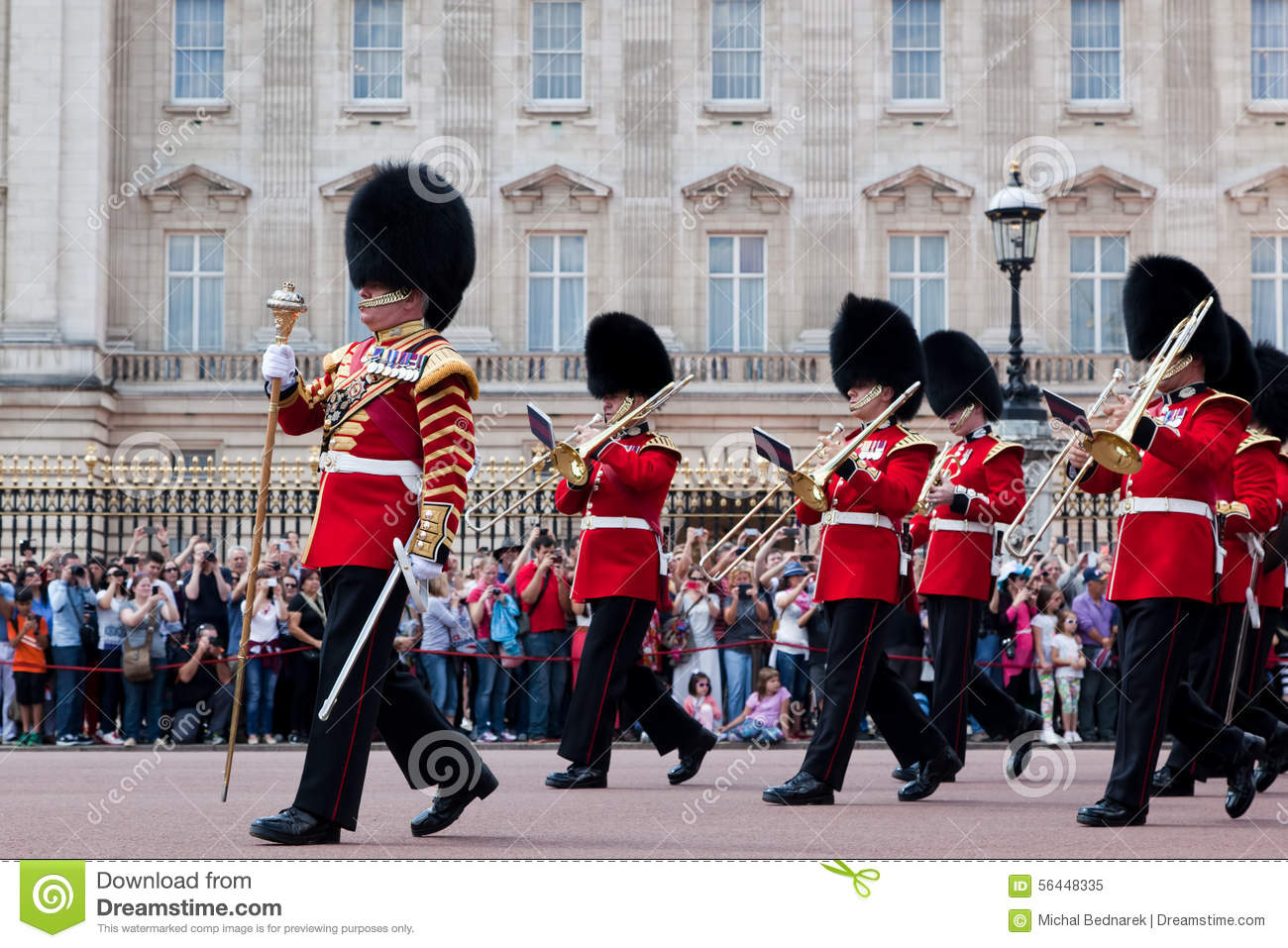 The governor general s foot guards - British Royal Guards The Military Band Perform The Changing Of The Guard In Buckingham Palace