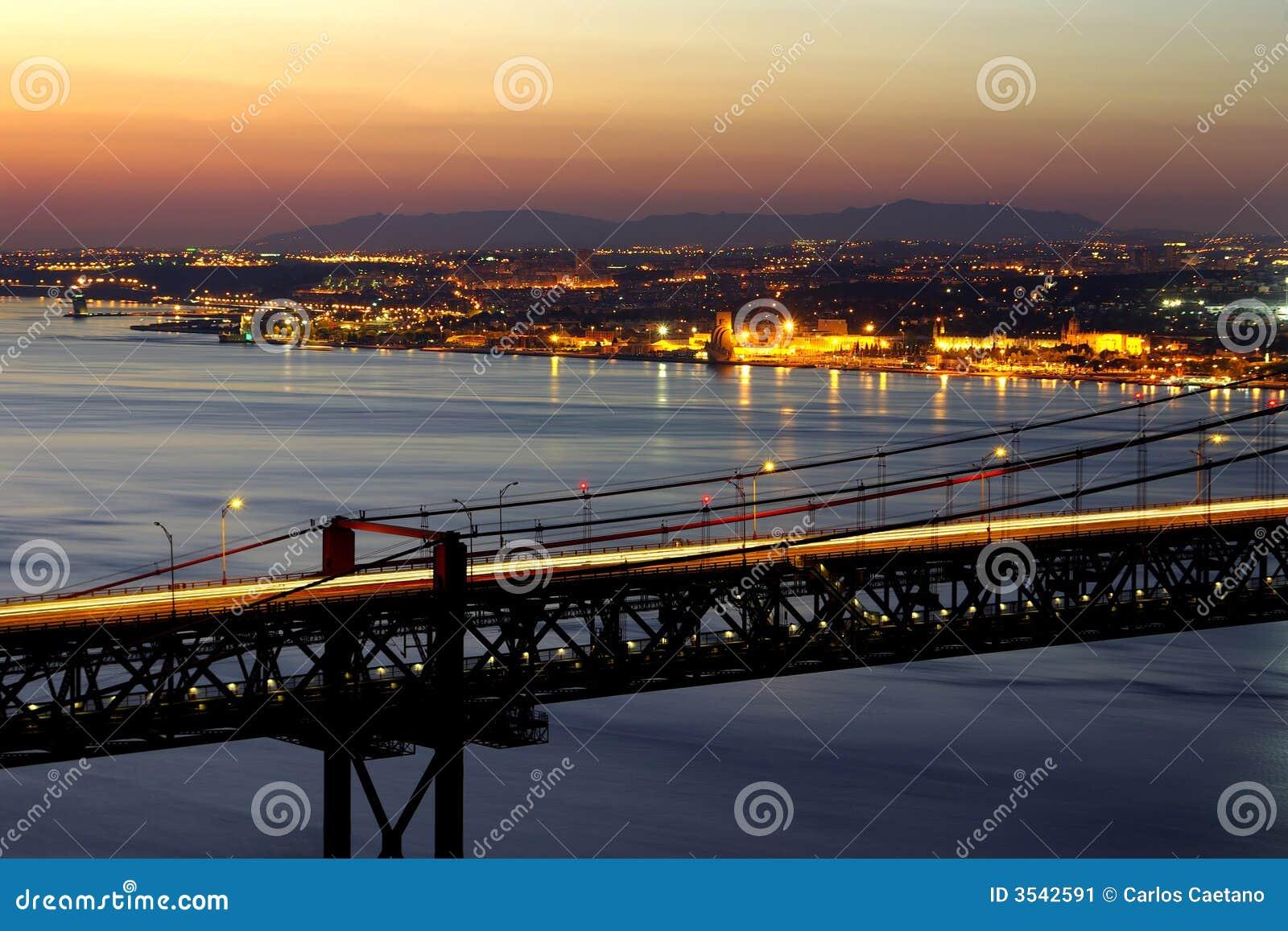 Bro över tagus
