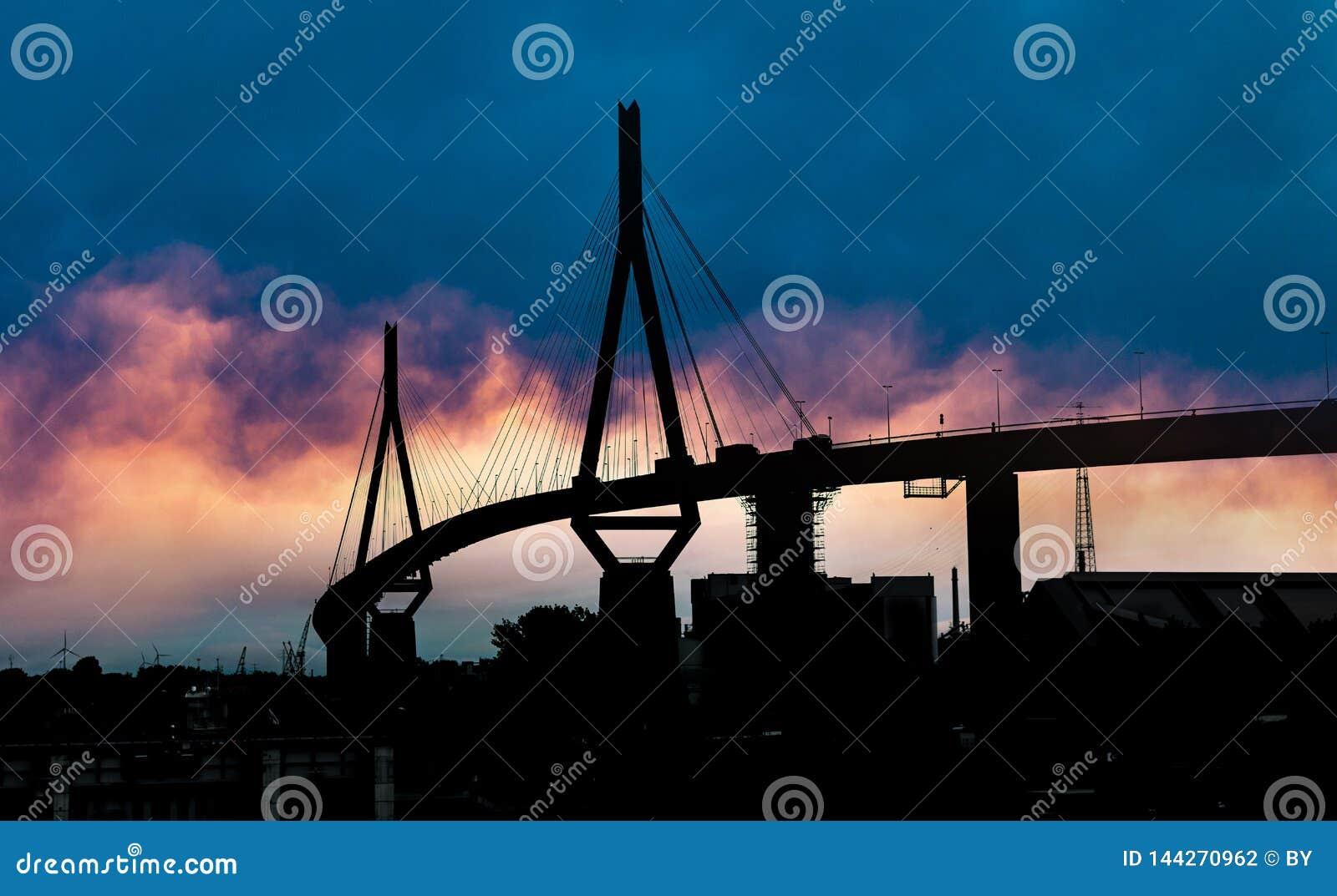 Bro i den Hamburg Tyskland