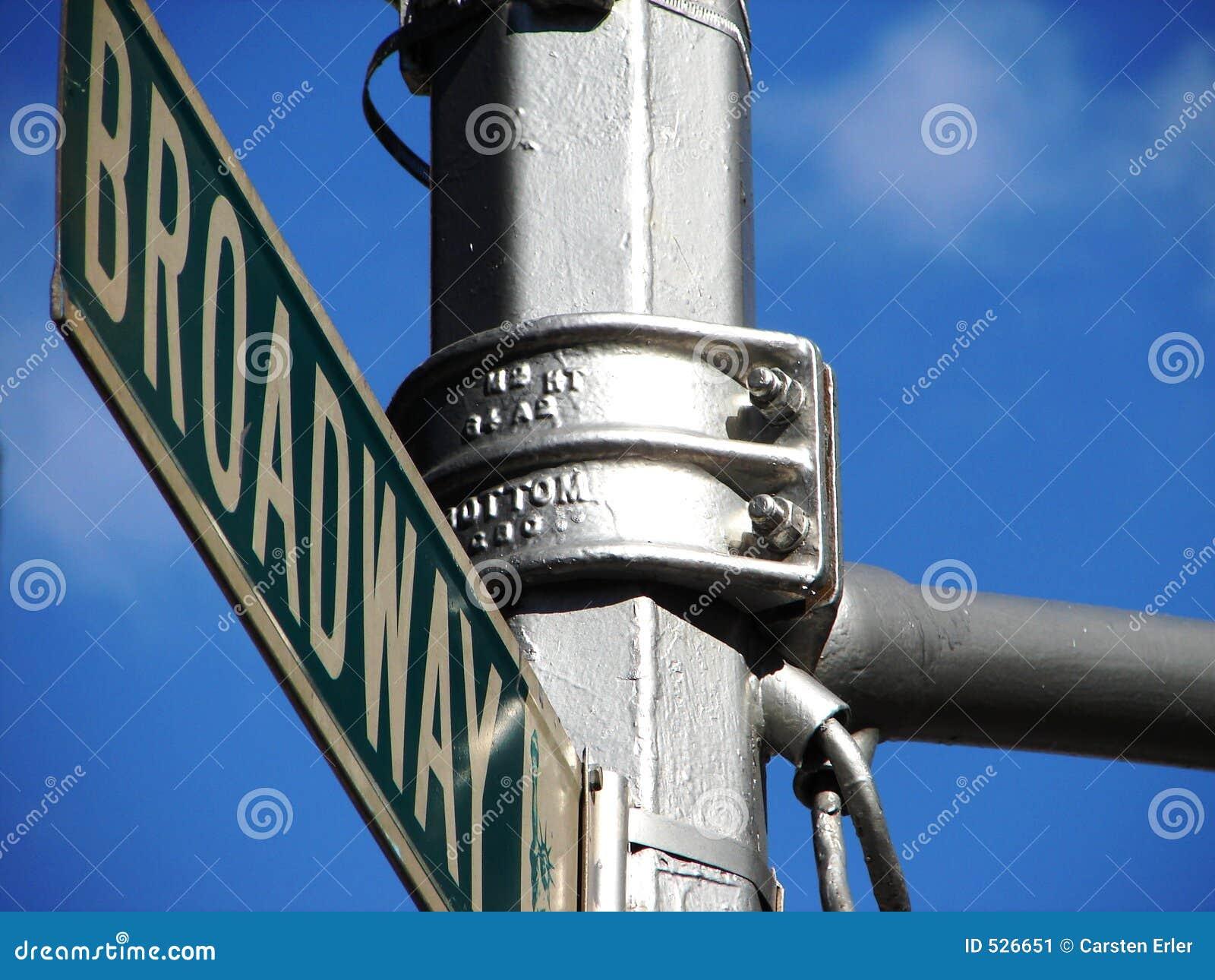 Download Broadway 库存图片. 图片 包括有 街道, 天空, 城市, 约克, 剧院, 音乐会, 申请人, 符号 - 526651