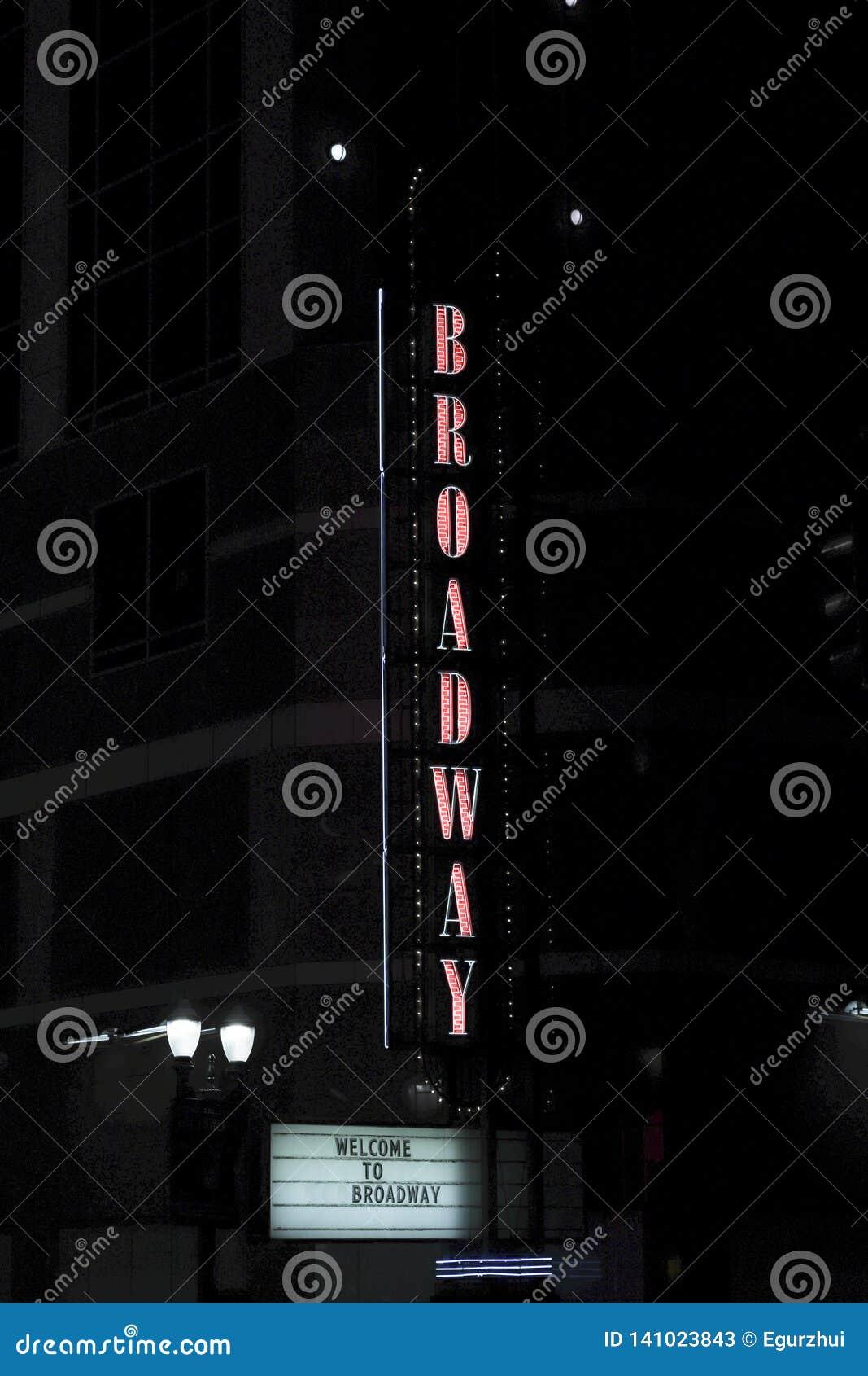 Broadway pionowo znak