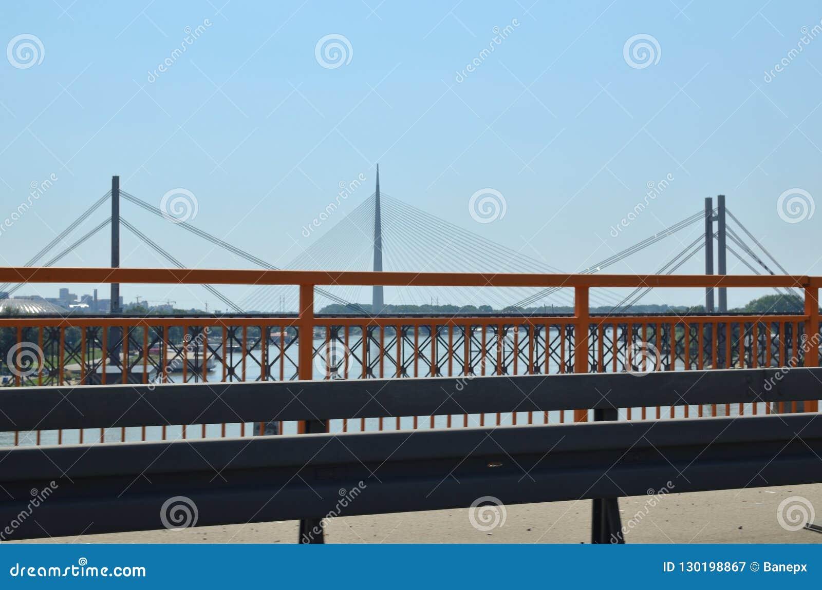 Broar och staket