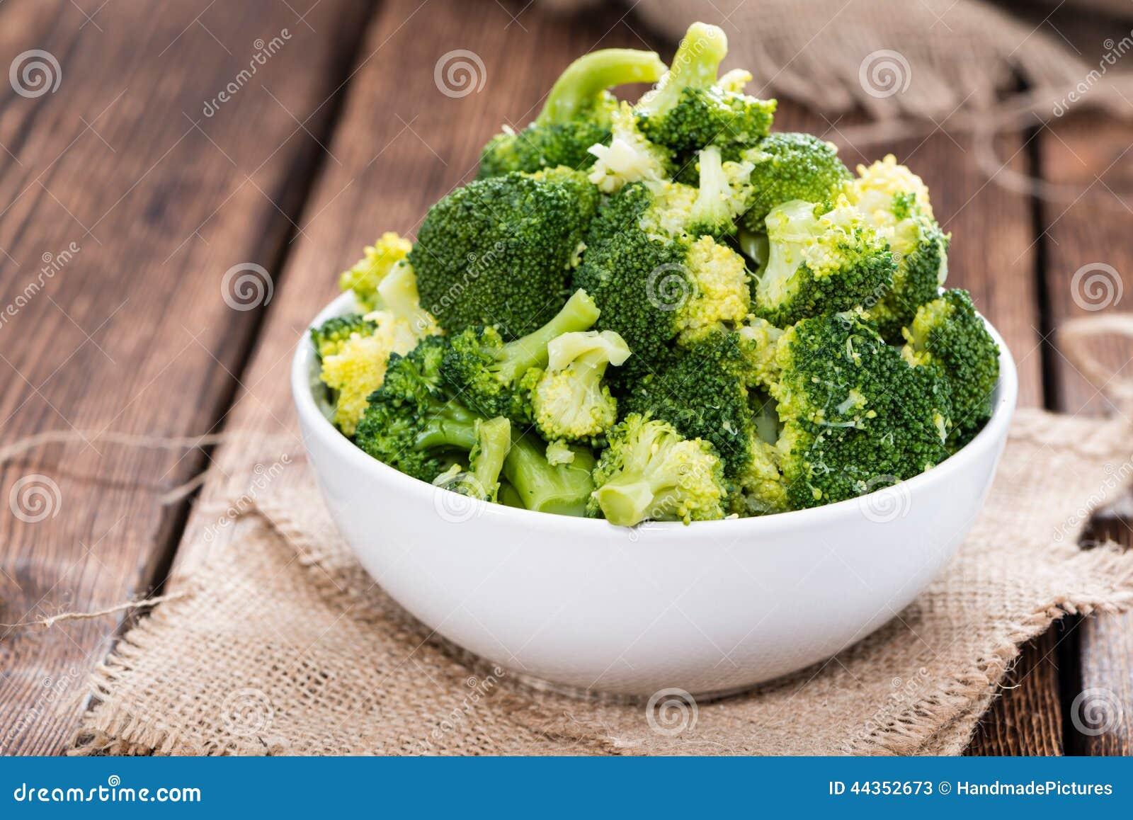 Broccoli cucinati freschi