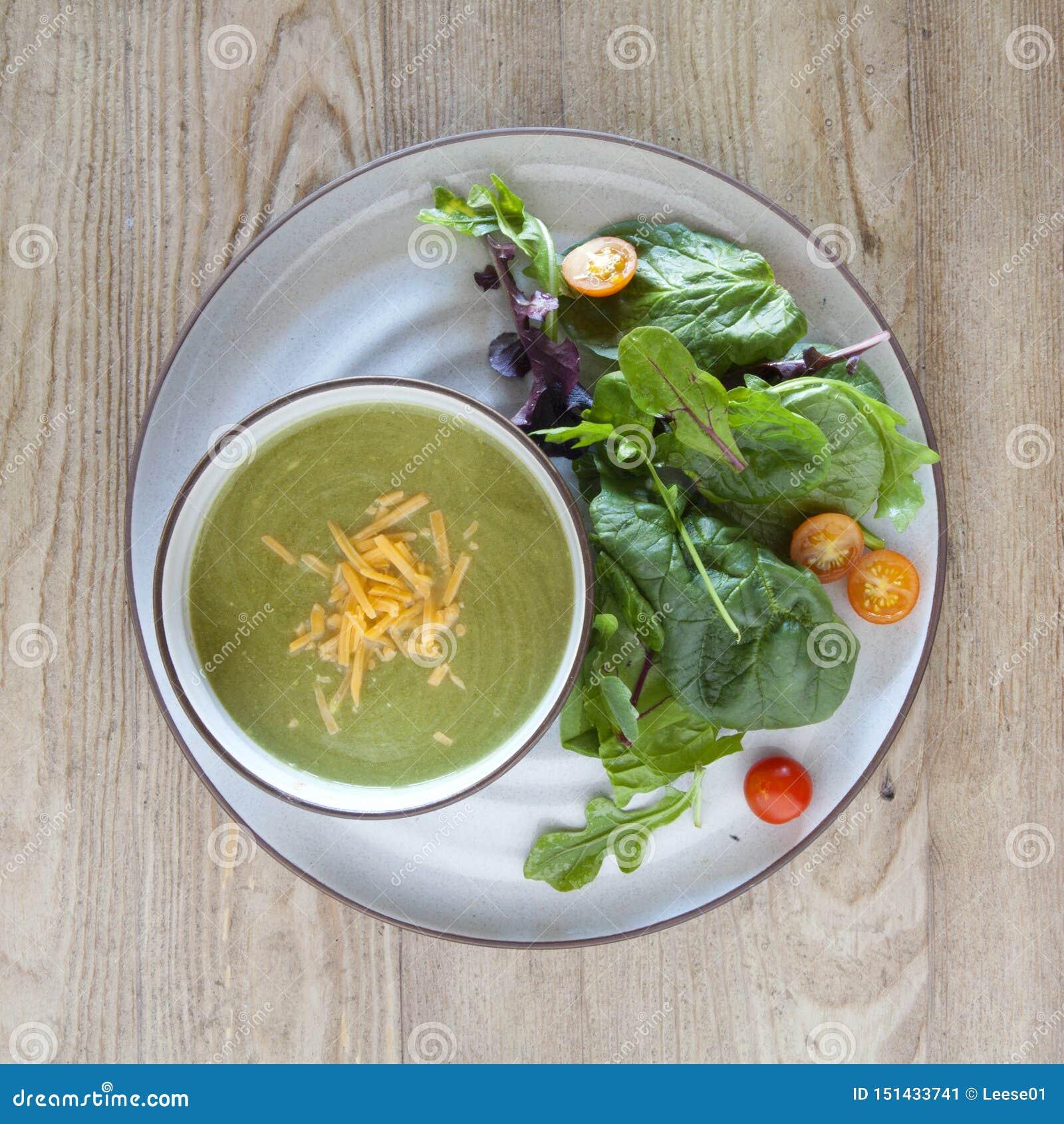 Broccoli en Kaassoep en Groene Salade