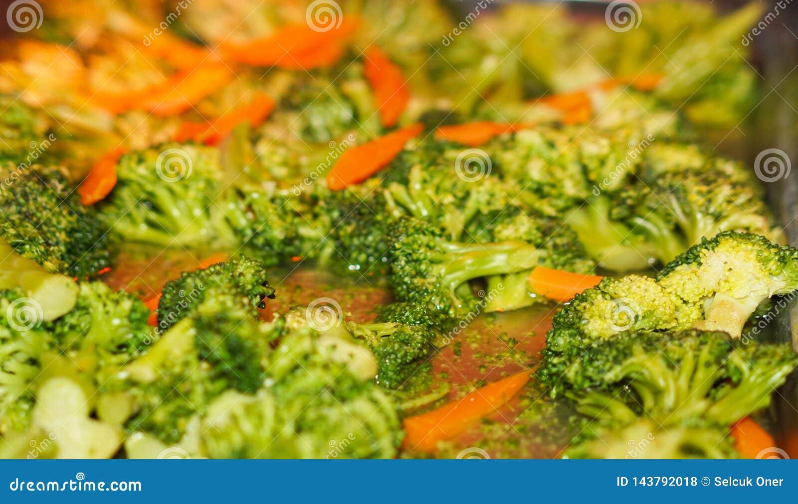 Broccoli salat with carrots