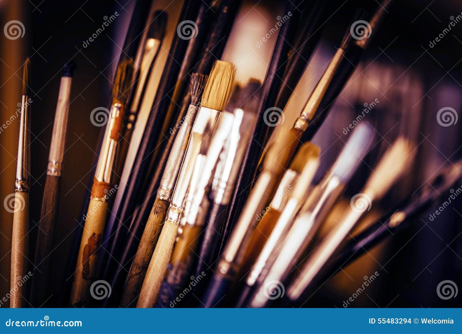Brochas de la pintura al leo foto de archivo imagen de brochas brocha 55483294 - Brochas pintura ...
