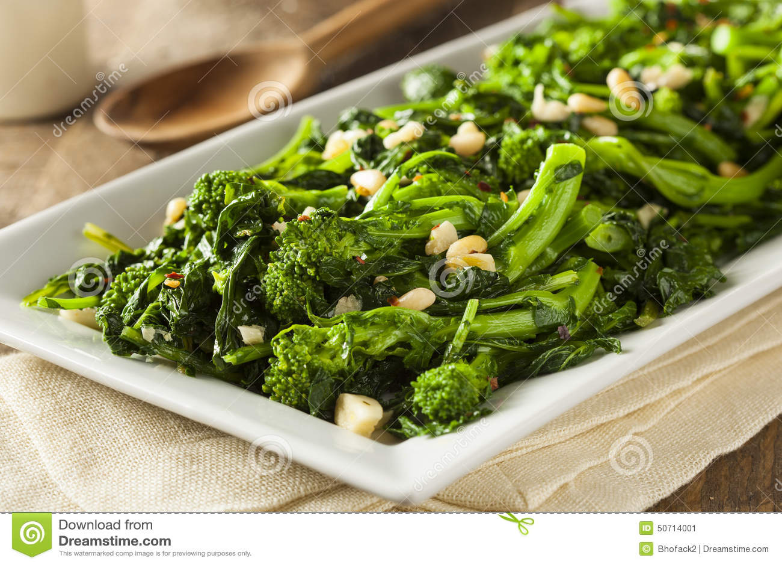 Brocoli vert sauté fait maison Rabe