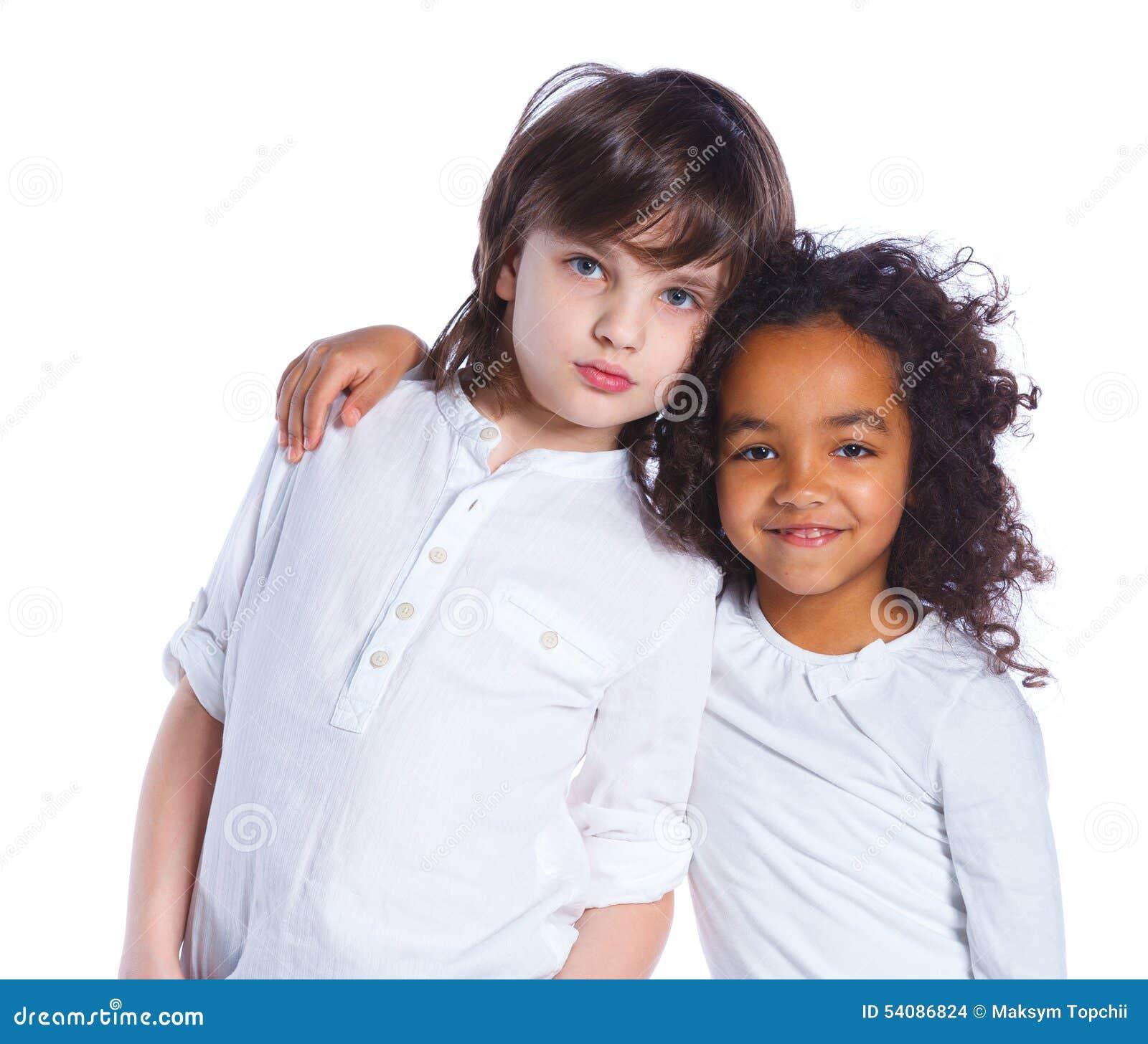 Broer en zuster in de studio