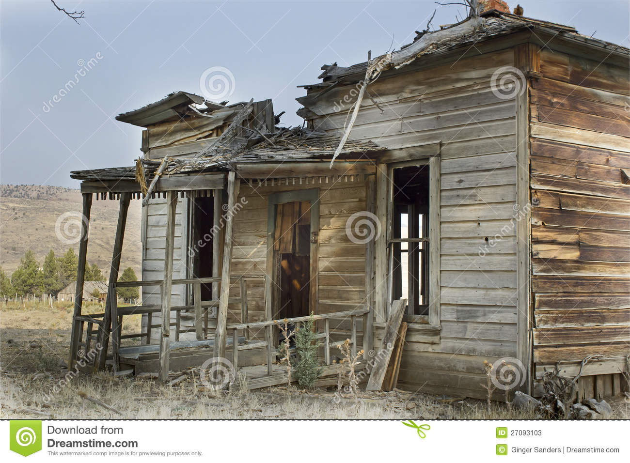 Broken Abandoned Wooden House Stock Photos Image 27093103