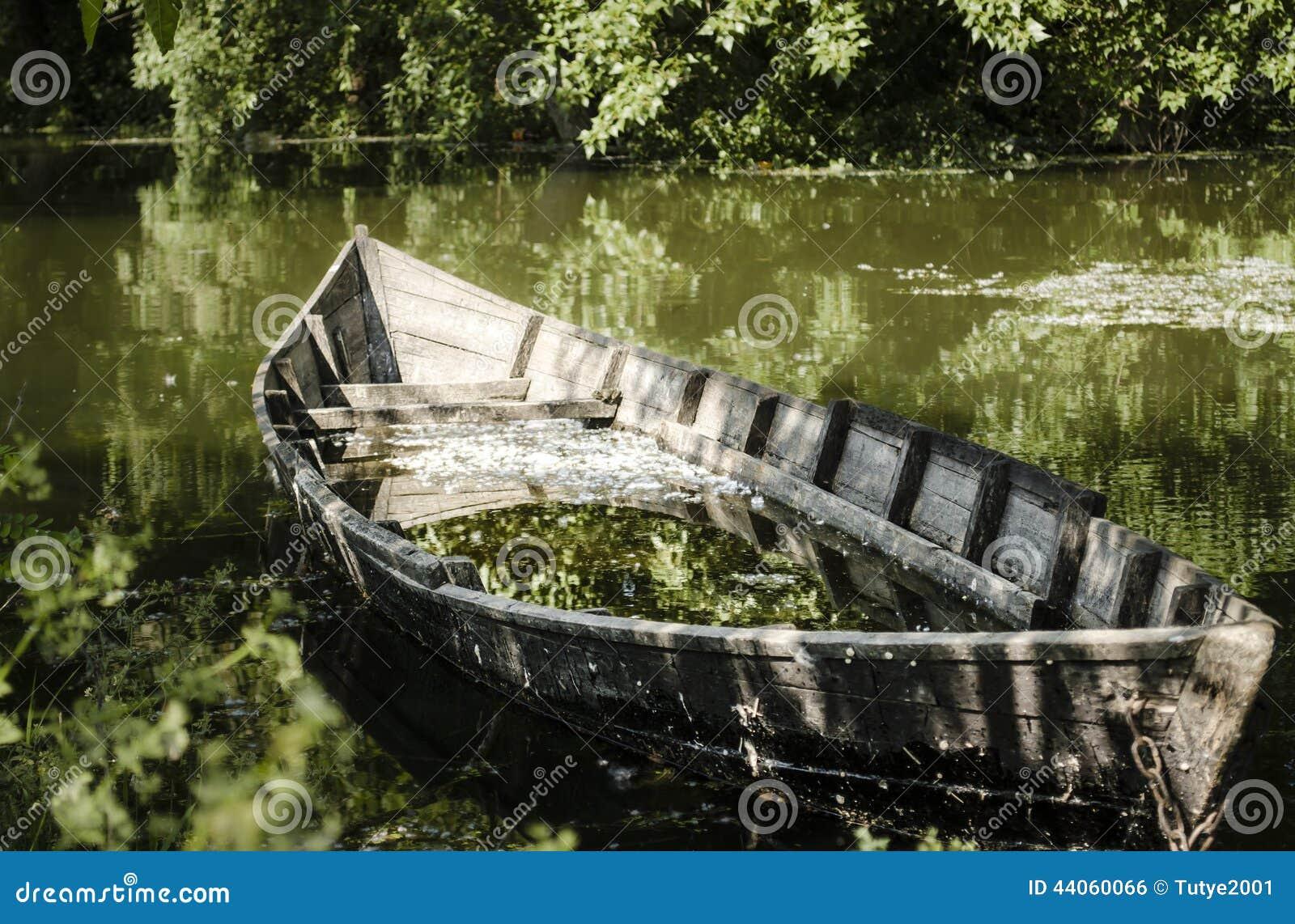 image Broken boat with nacho vidal