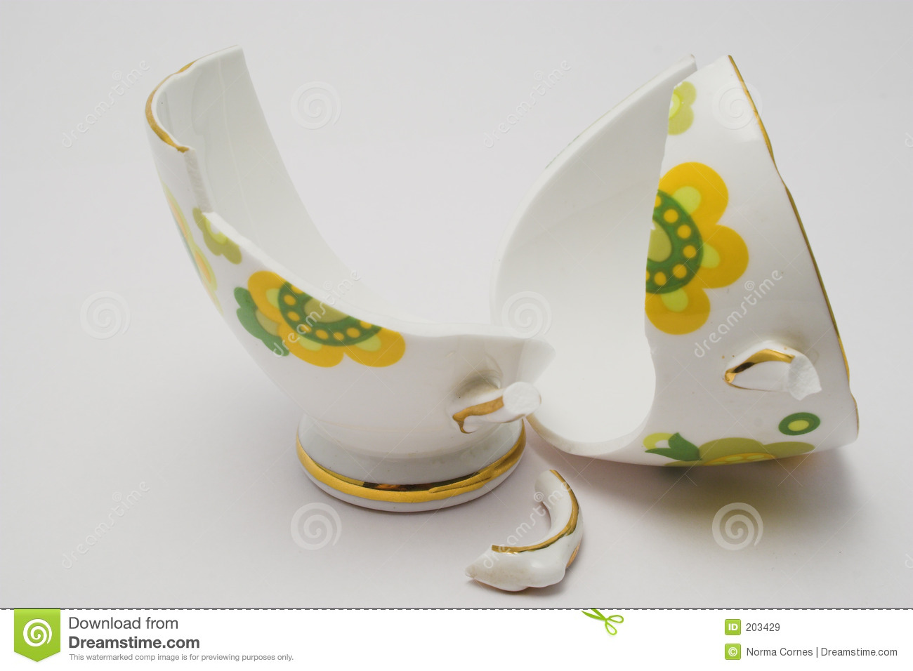 Broken Cup Royalty Free Stock Images - Image: 203429