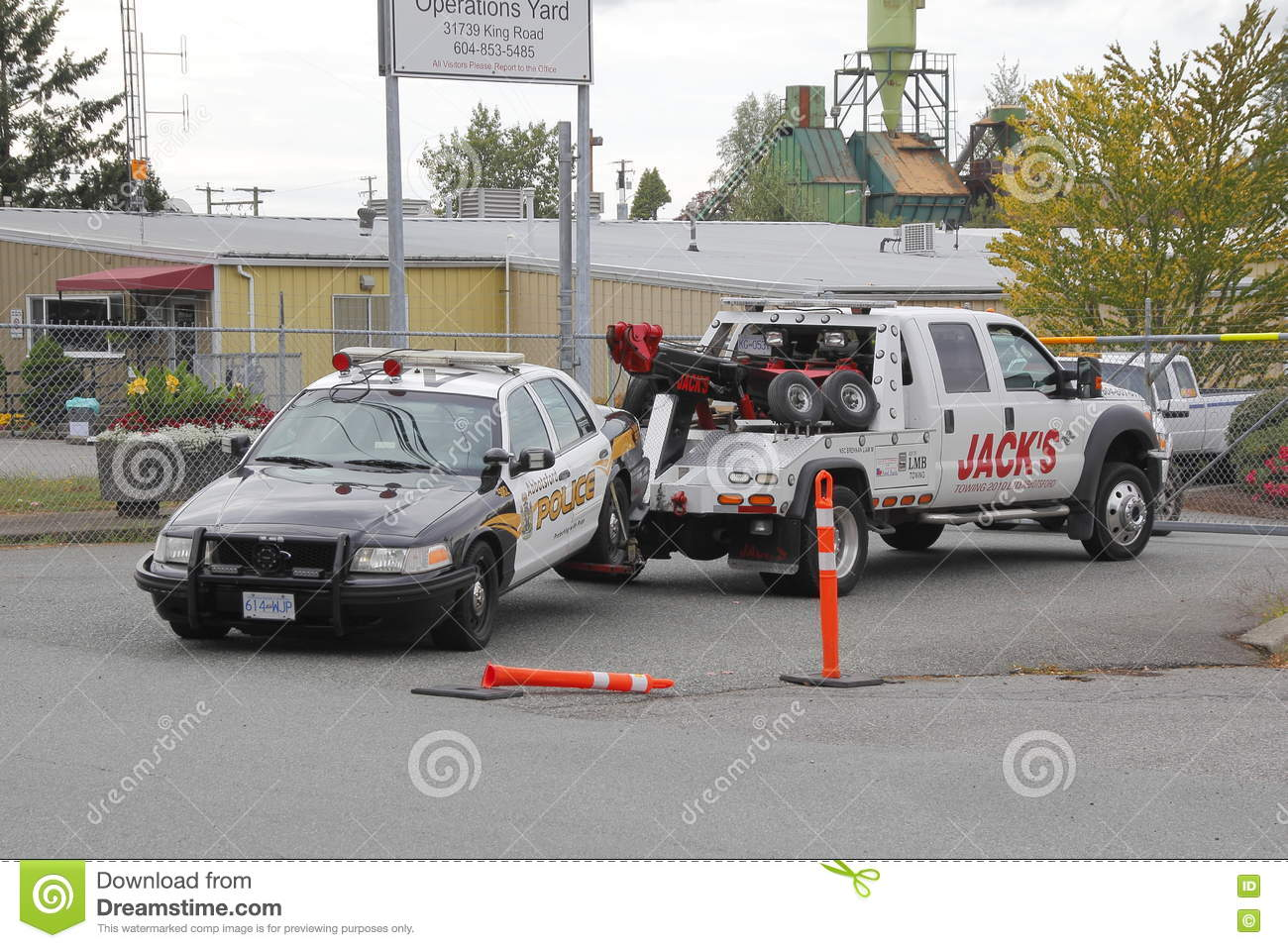 Tow truck hot milf pussy