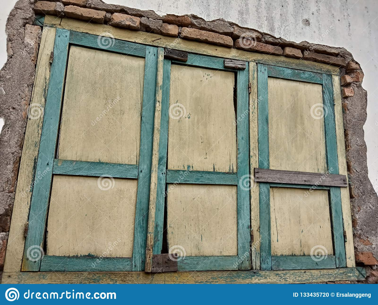 Pleasant In Homes With Old Windows It Can Be Recommended For Download Free Architecture Designs Itiscsunscenecom