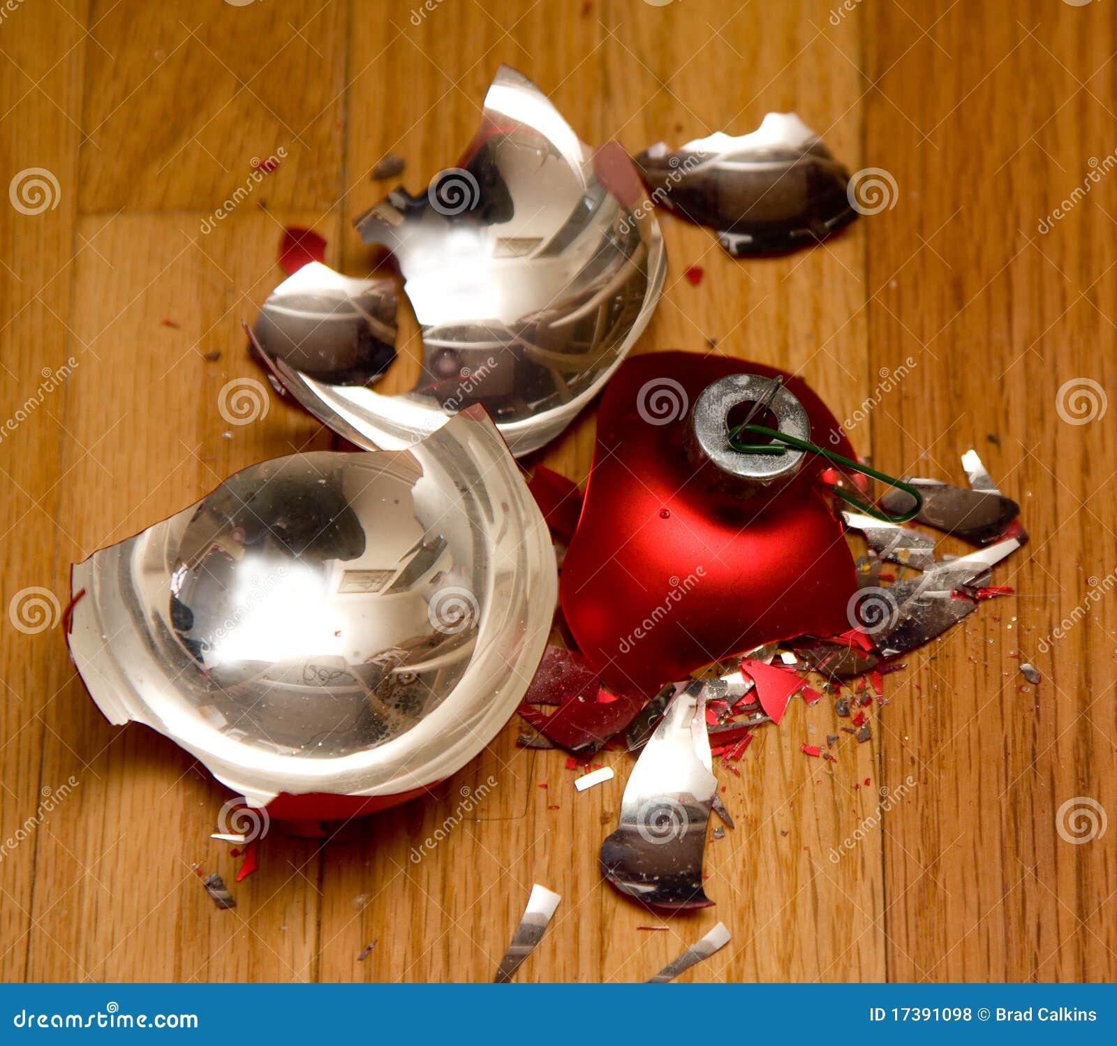 Broken Ornament Royalty Free Stock Photos - Image: 17391098