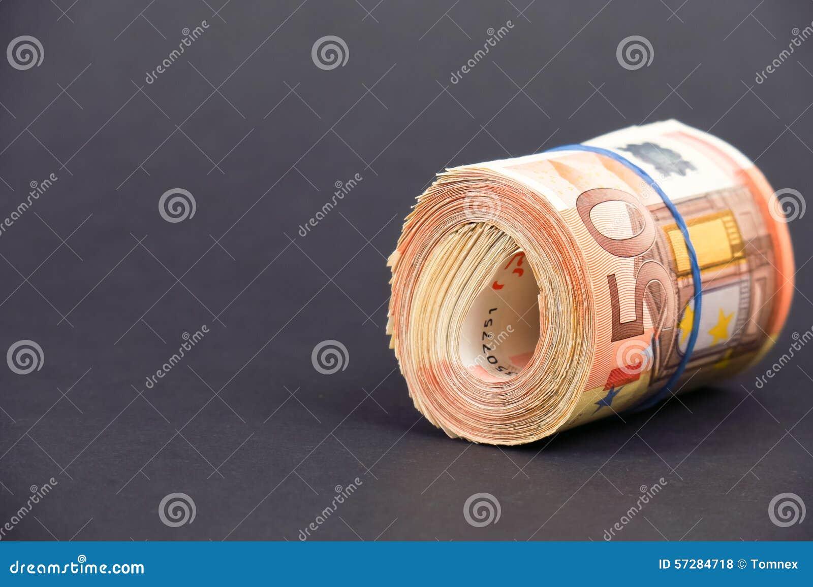 Broodje van euro geld