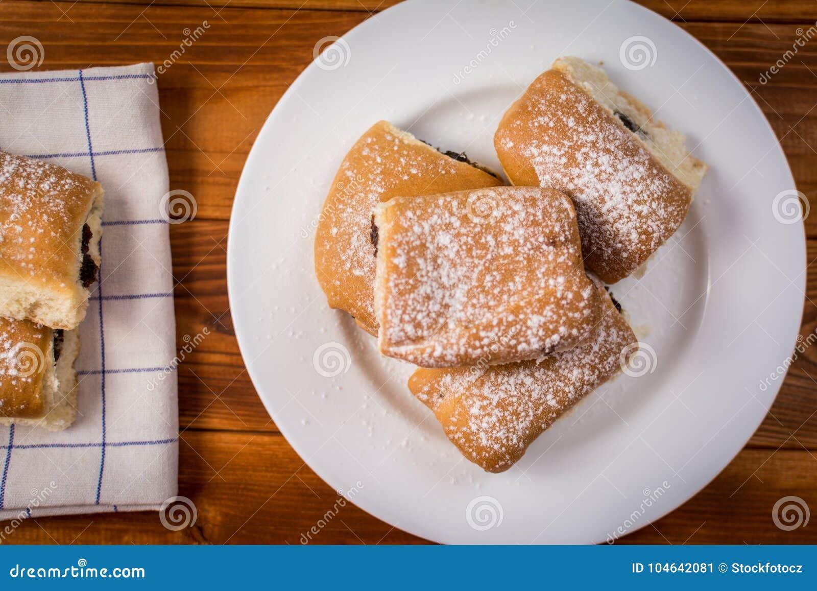 Download Broodjes met pruimjam stock afbeelding. Afbeelding bestaande uit up - 104642081