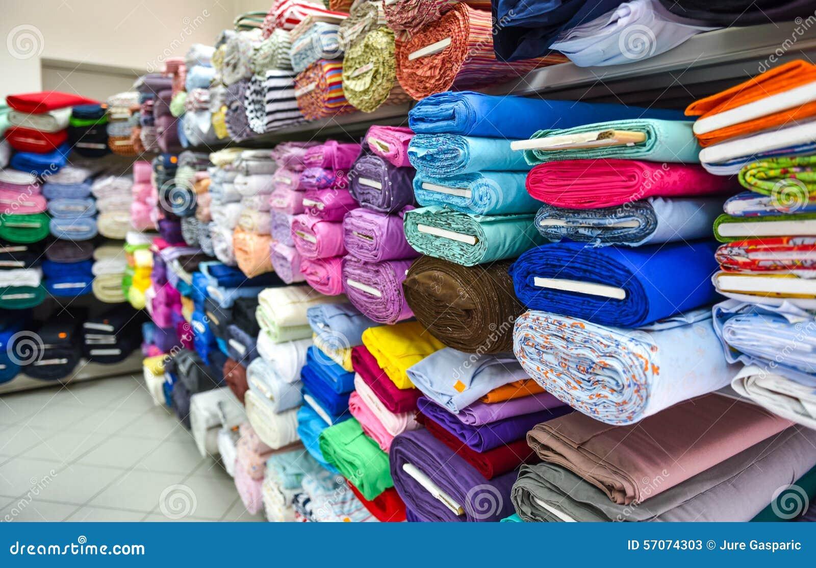 Broodjes van stof en textiel in een factpory winkel