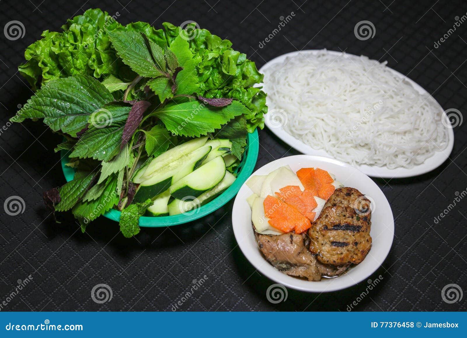 Broodjescha of de Vietnamese noedels Obama van de Kebabrijst