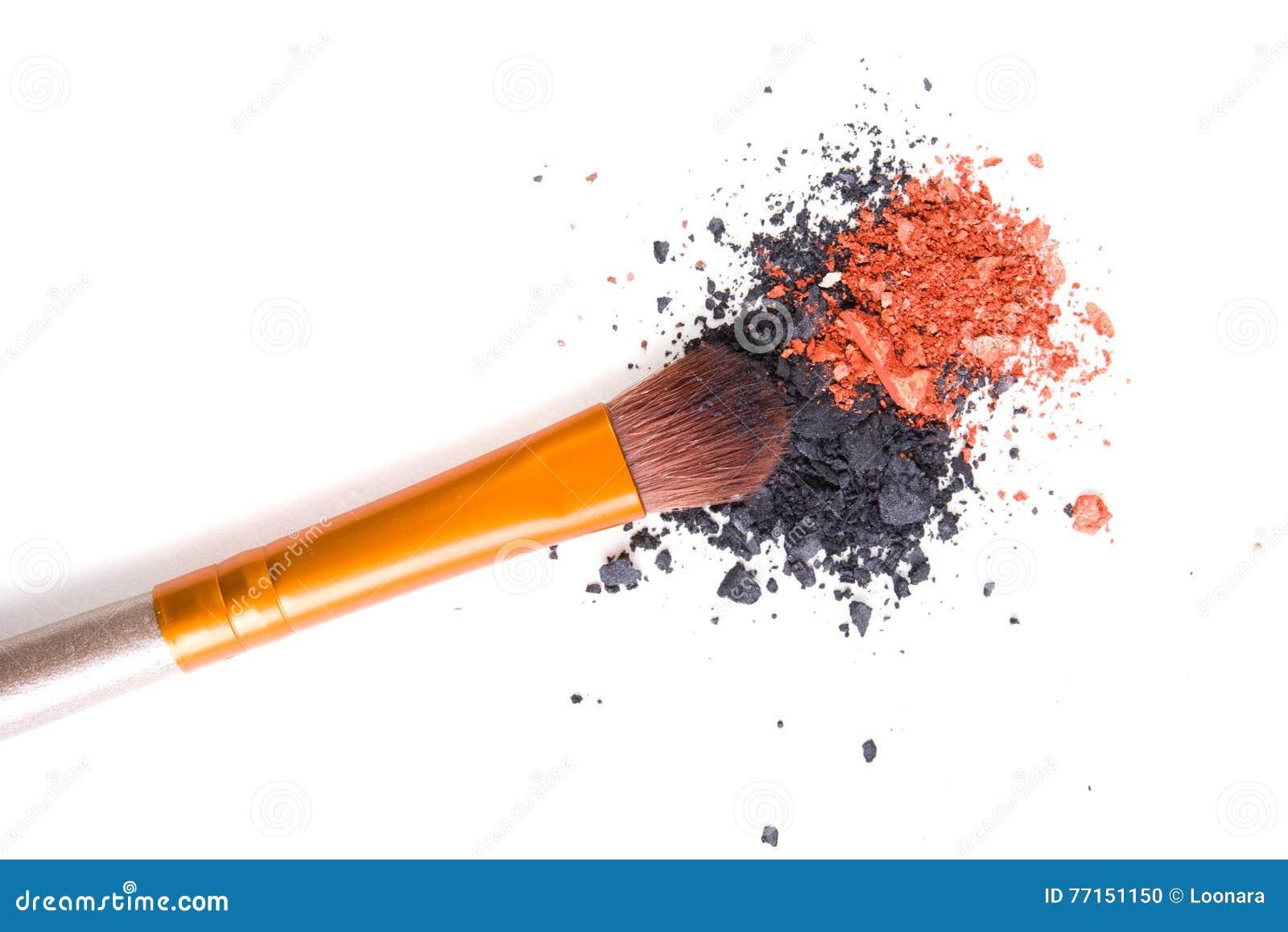 Brosse professionnelle de maquillage et fards à paupières lâches de poudre d isolement
