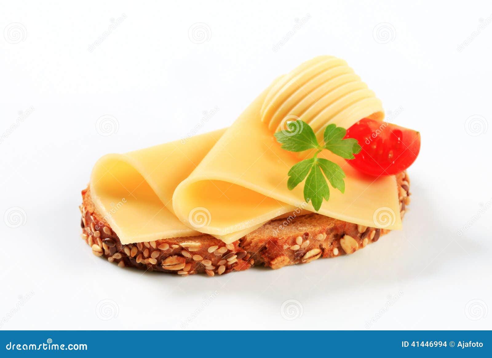 brot mit butter und k se stockfoto bild von hintergrund 41446994. Black Bedroom Furniture Sets. Home Design Ideas