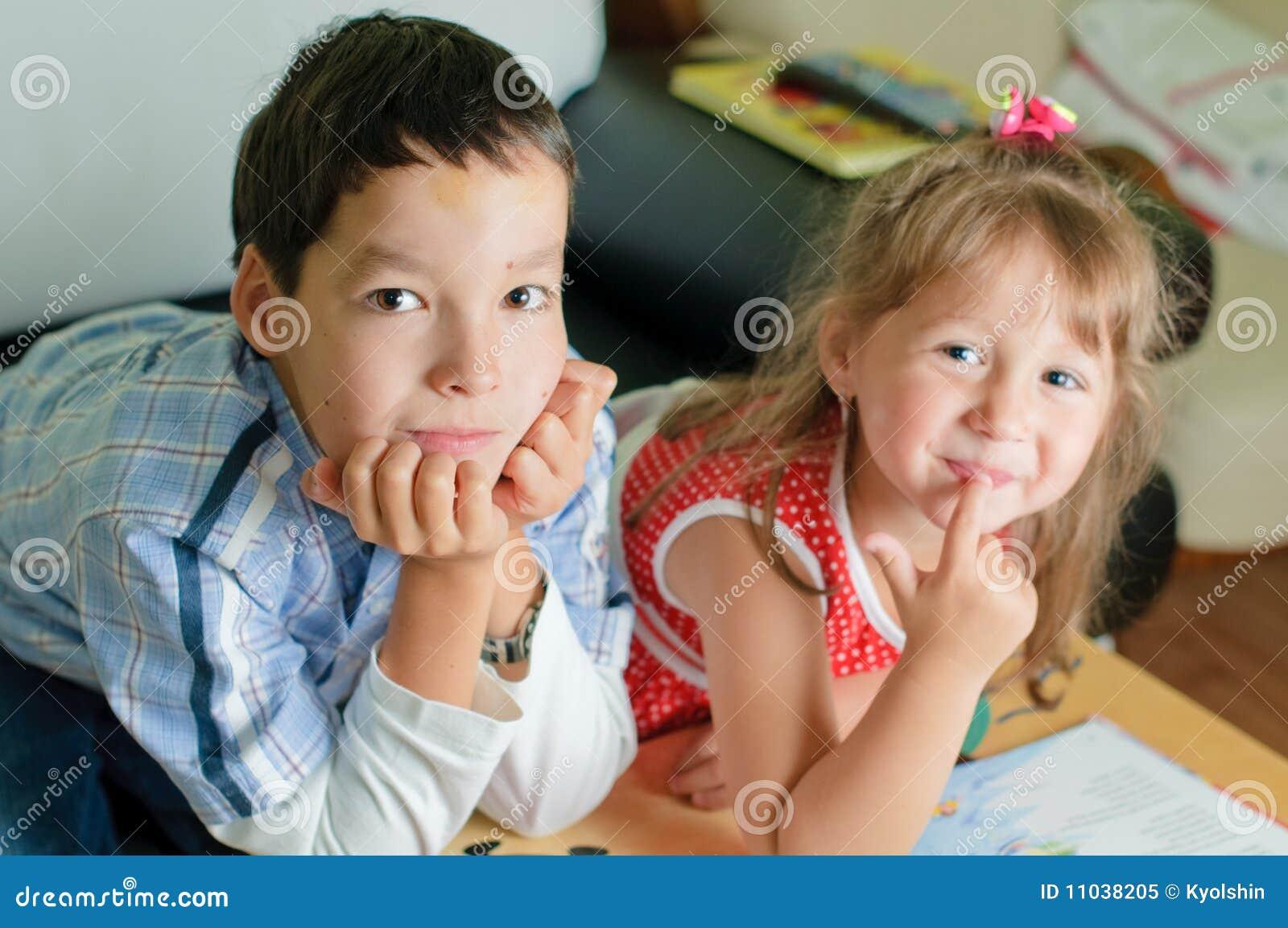 Трахаются брат с сестра 18 фотография