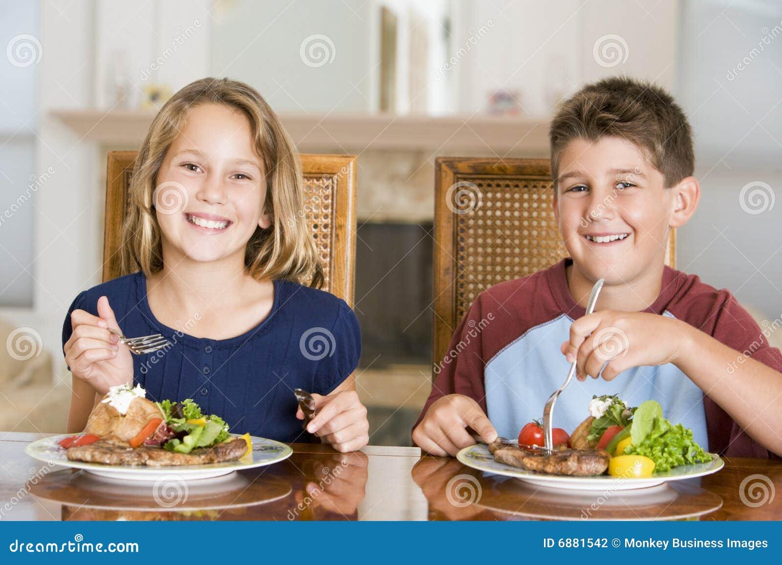 Comiendose a la hermana